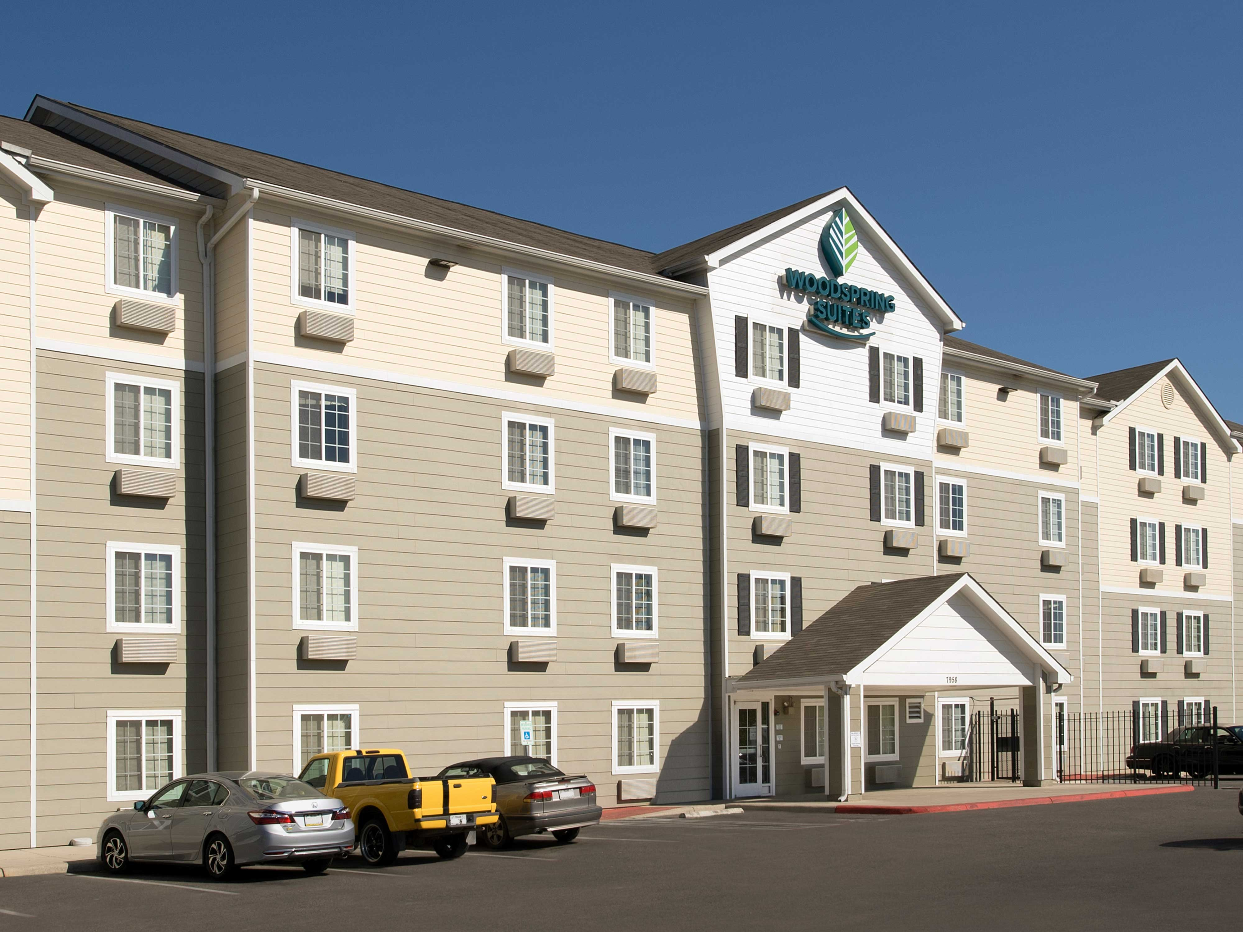 WoodSpring Suites San Antonio South image 16