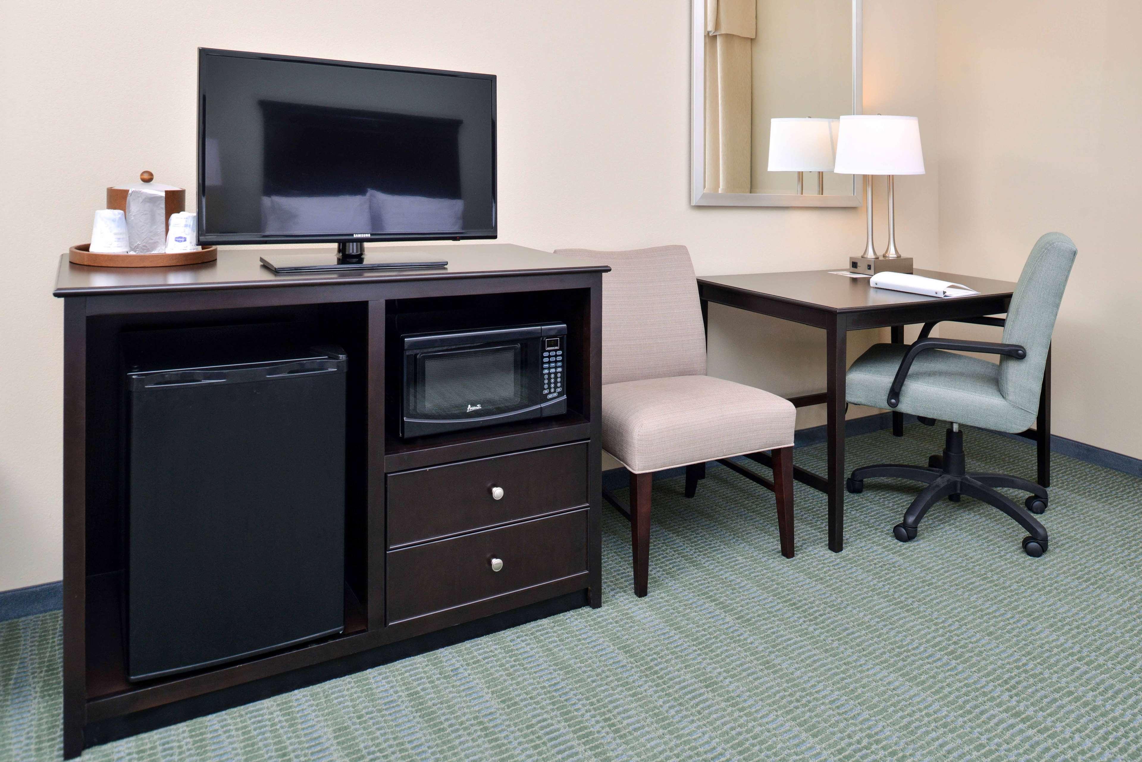 Hampton Inn & Suites Mount Joy/Lancaster West image 25