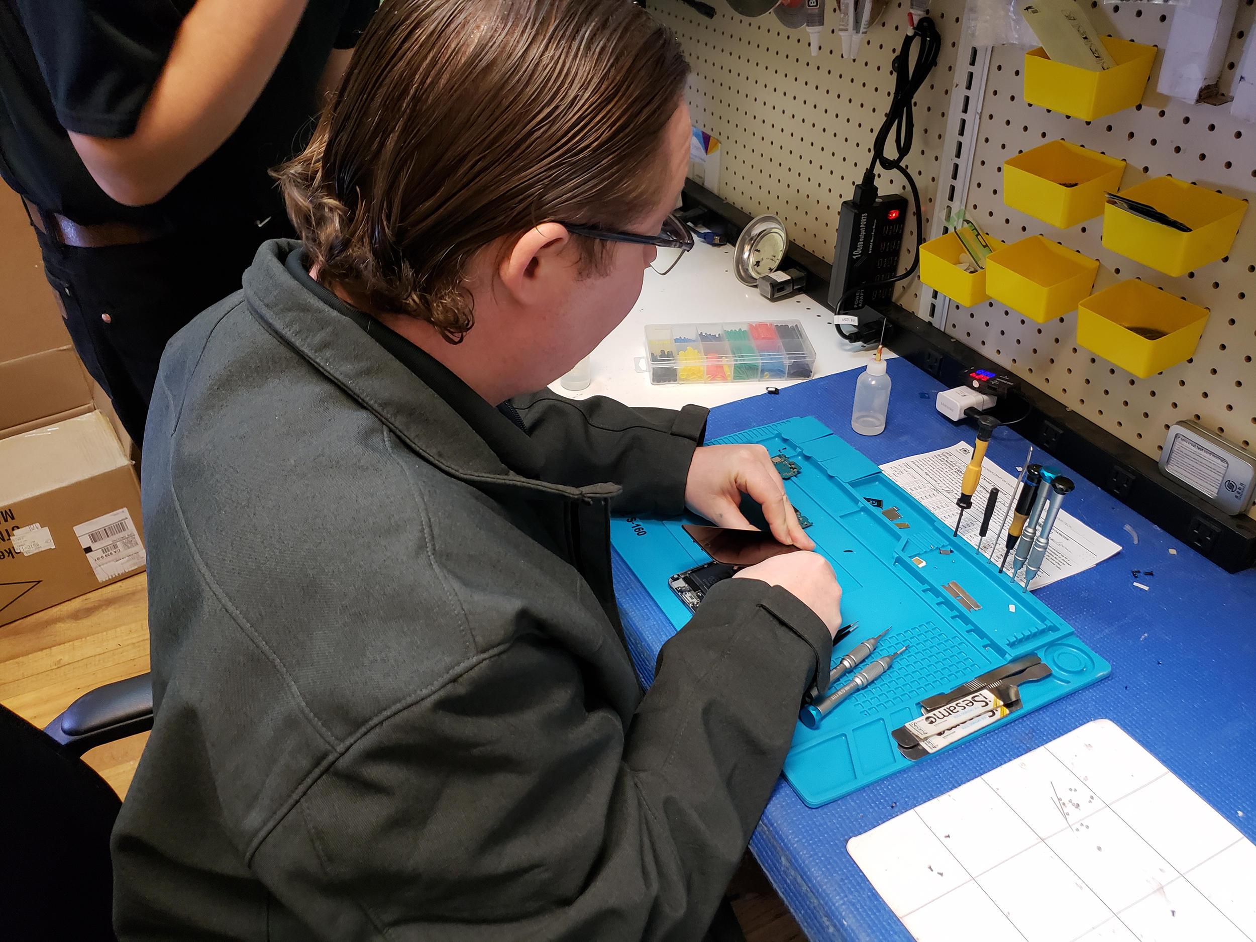 CPR Cell Phone Repair Salinas - South image 2