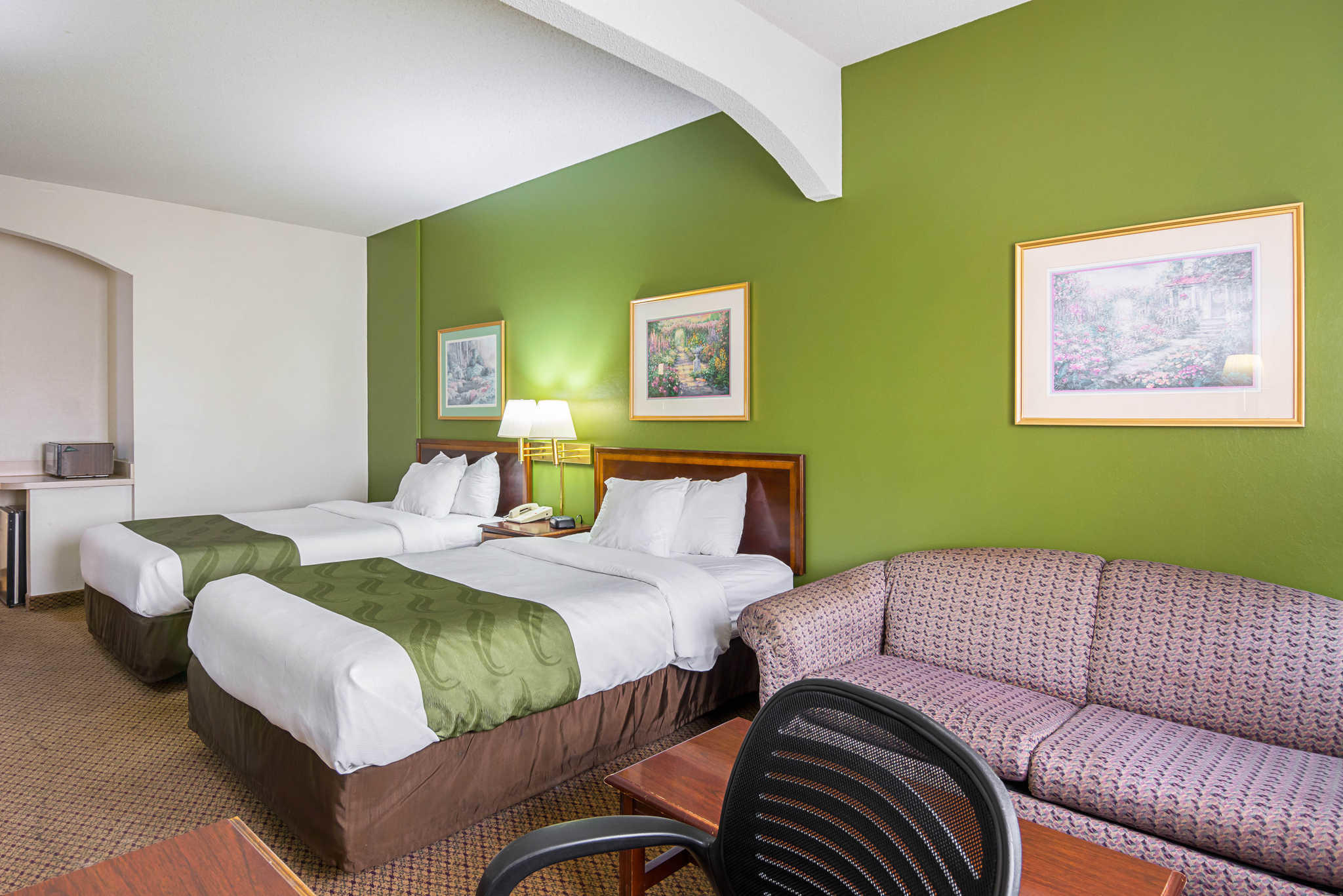Quality Inn & Suites Kearneysville - Martinsburg image 9