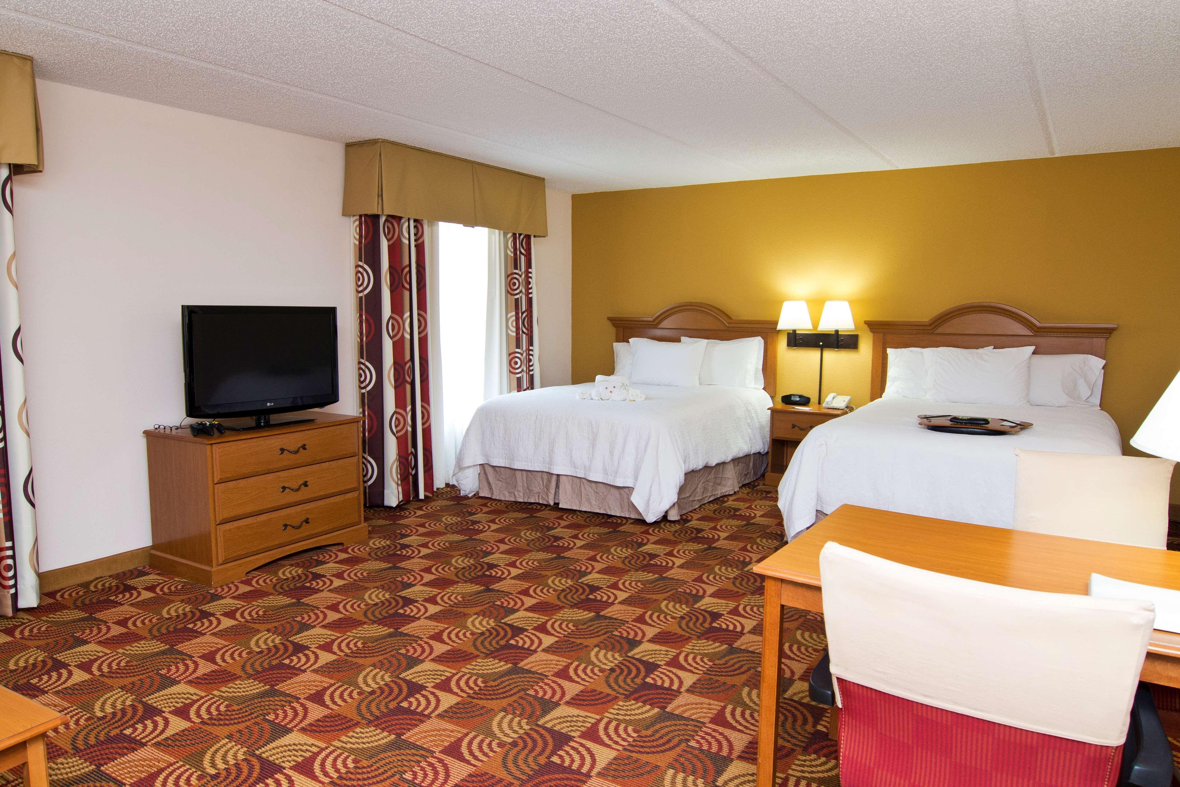 Hampton Inn & Suites Orlando Intl Dr N image 18