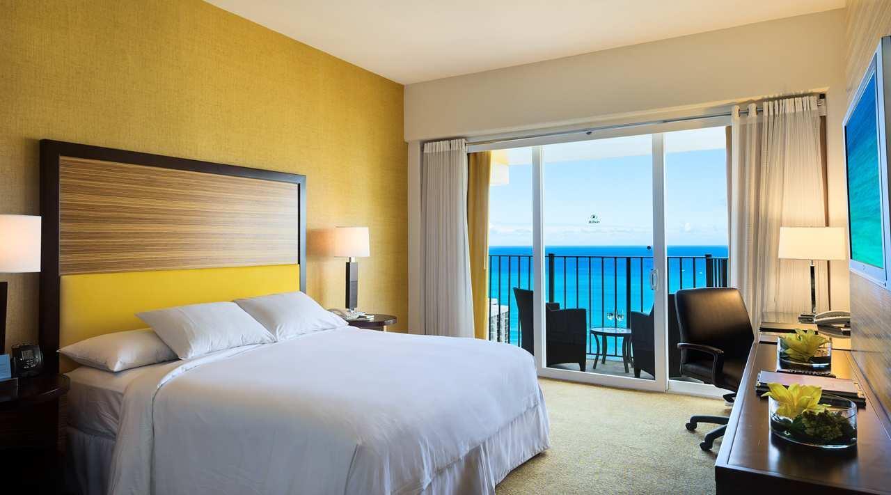 Hilton Waikiki Beach image 12