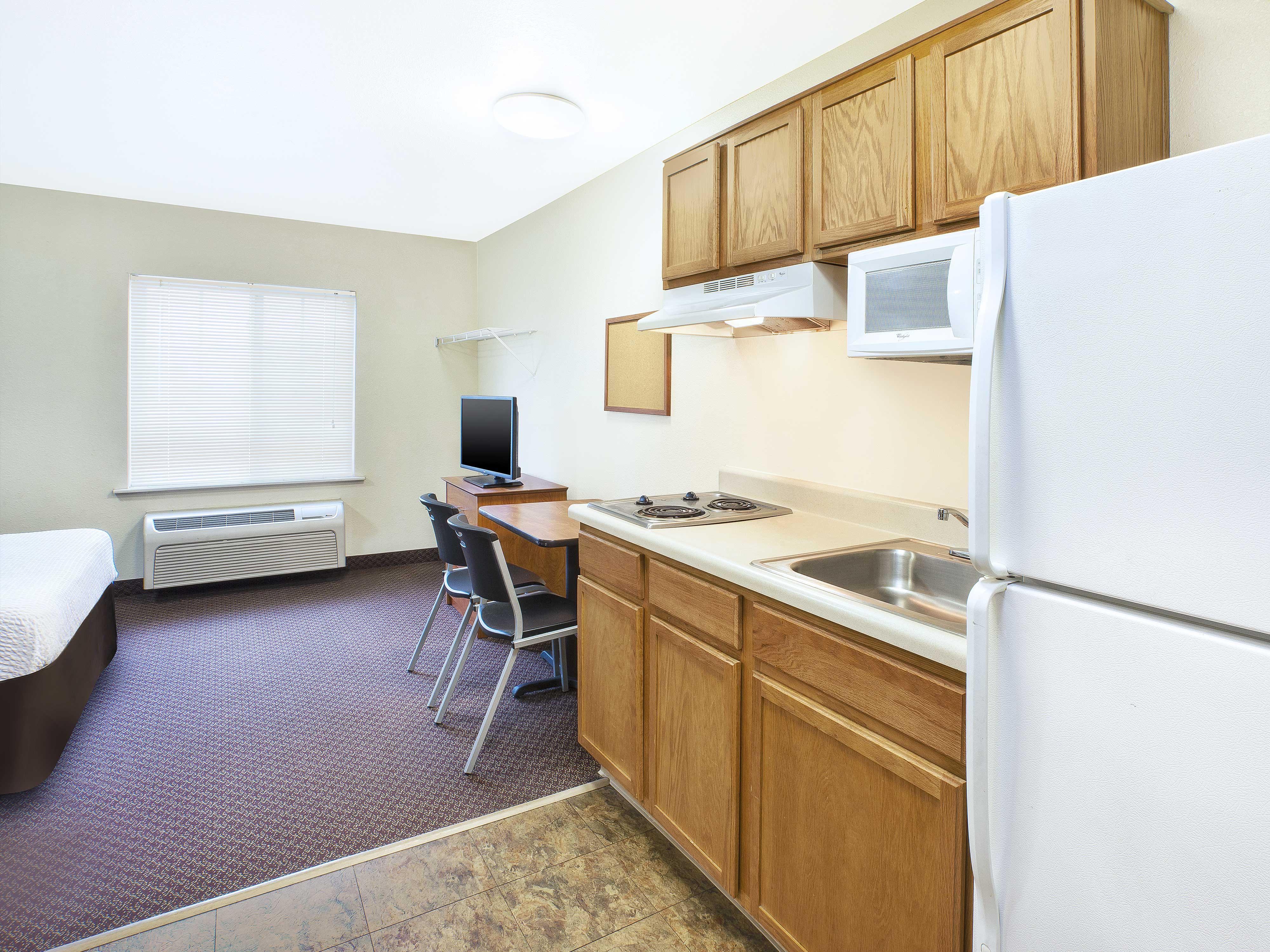 WoodSpring Suites Grand Rapids Holland image 3