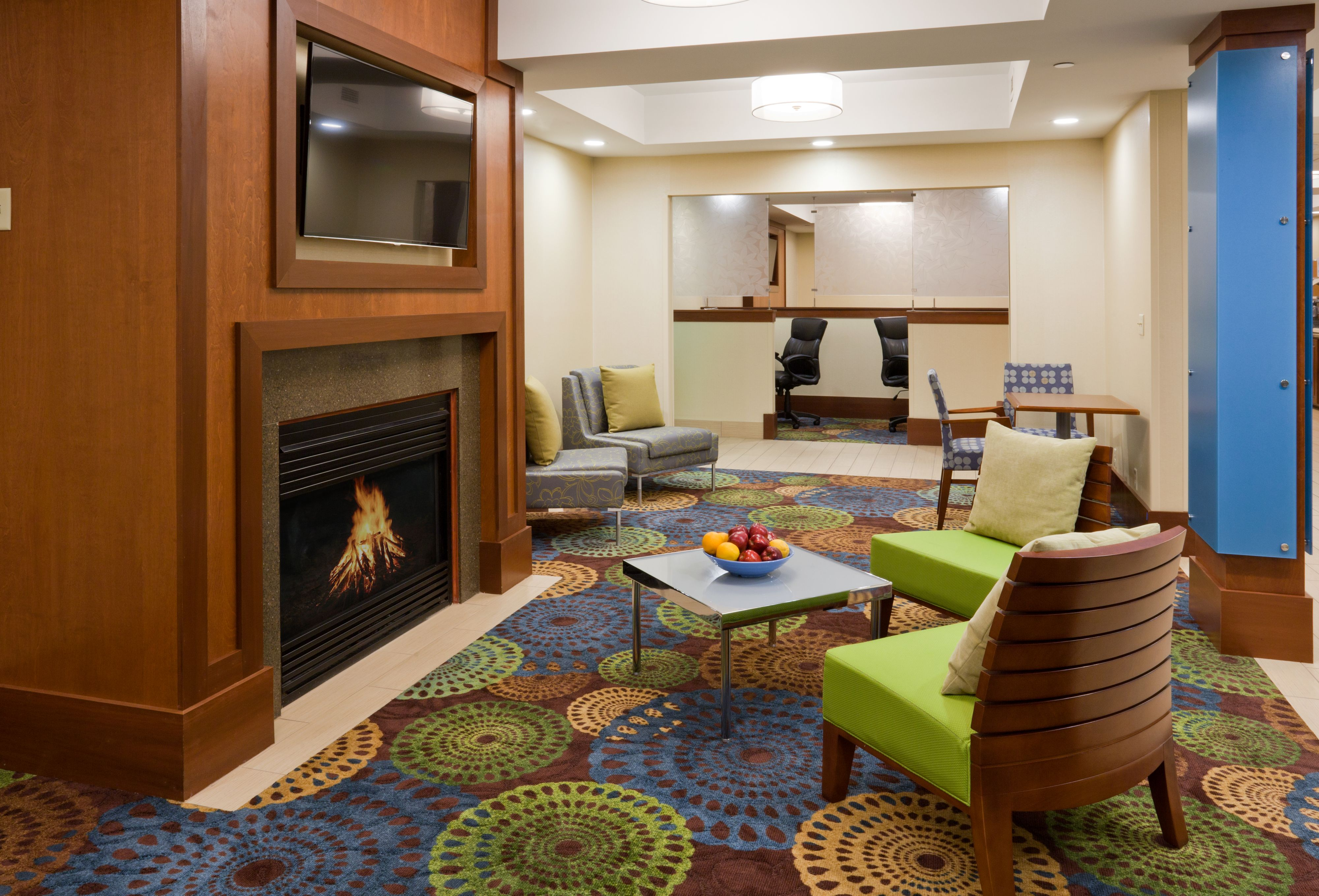 Holiday Inn Express Cedar Rapids (Collins Rd) image 5