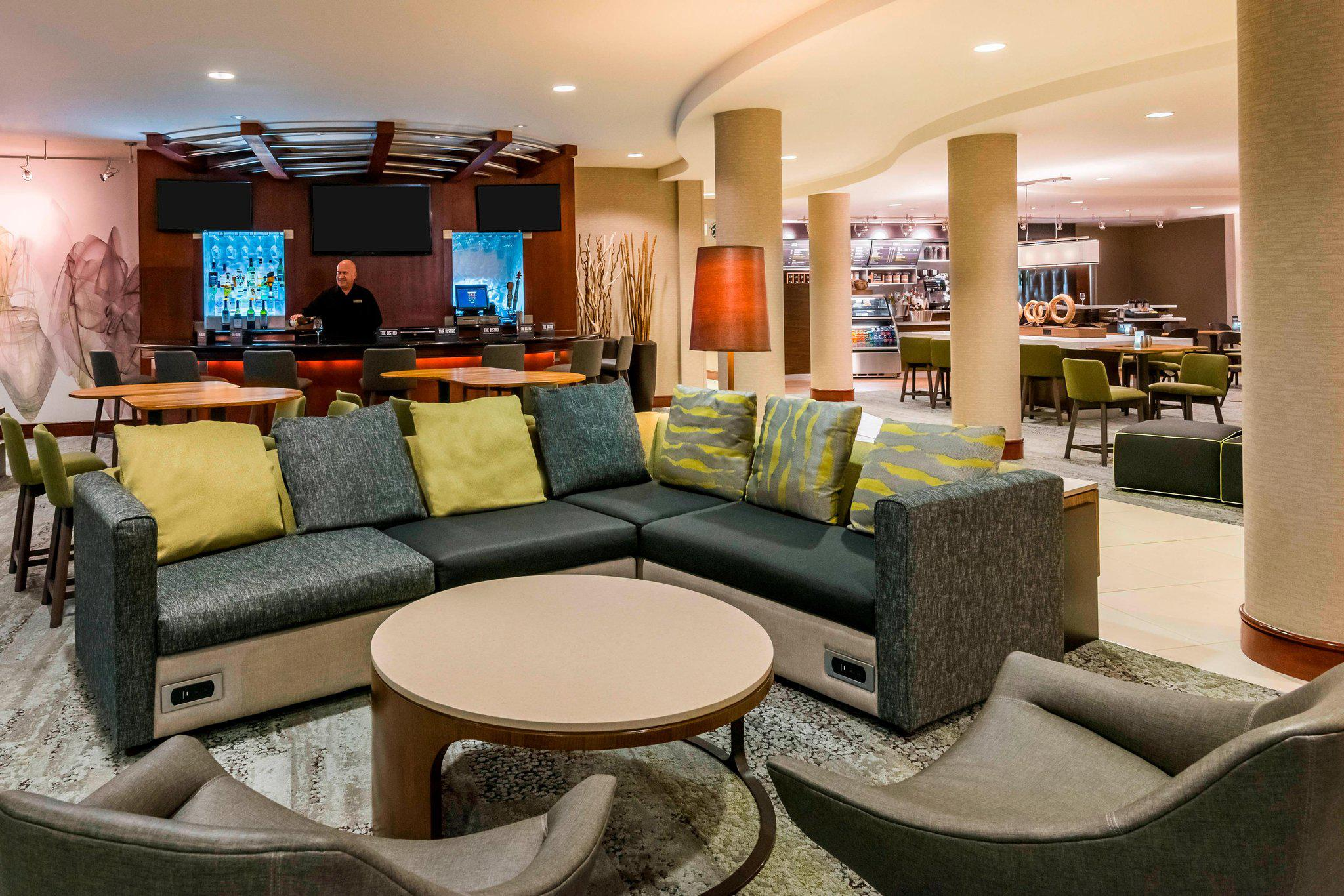 Courtyard by Marriott Fort Myers at I-75 and Gulf Coast Town Center