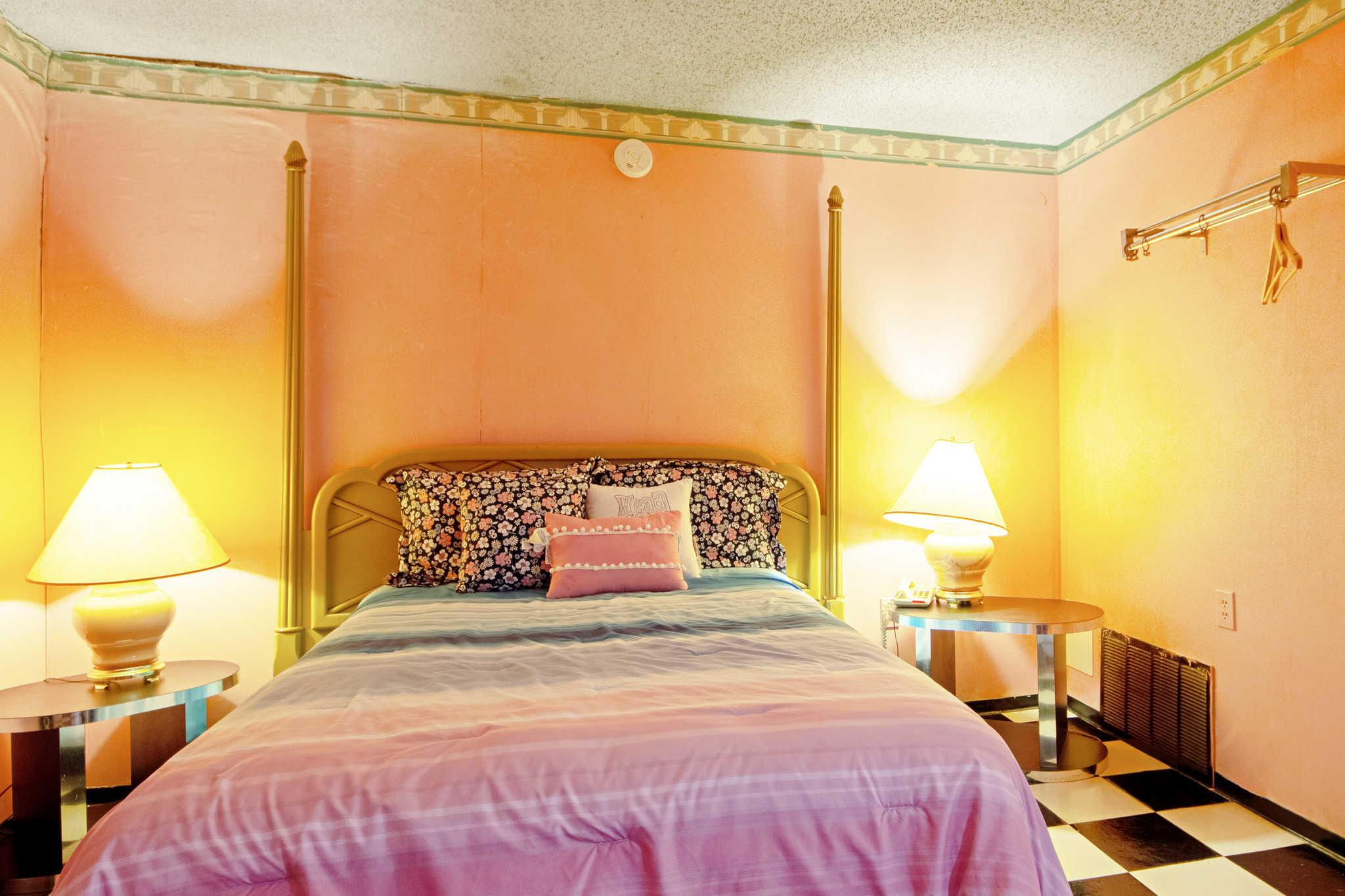 Rodeway Inn & Suites image 39