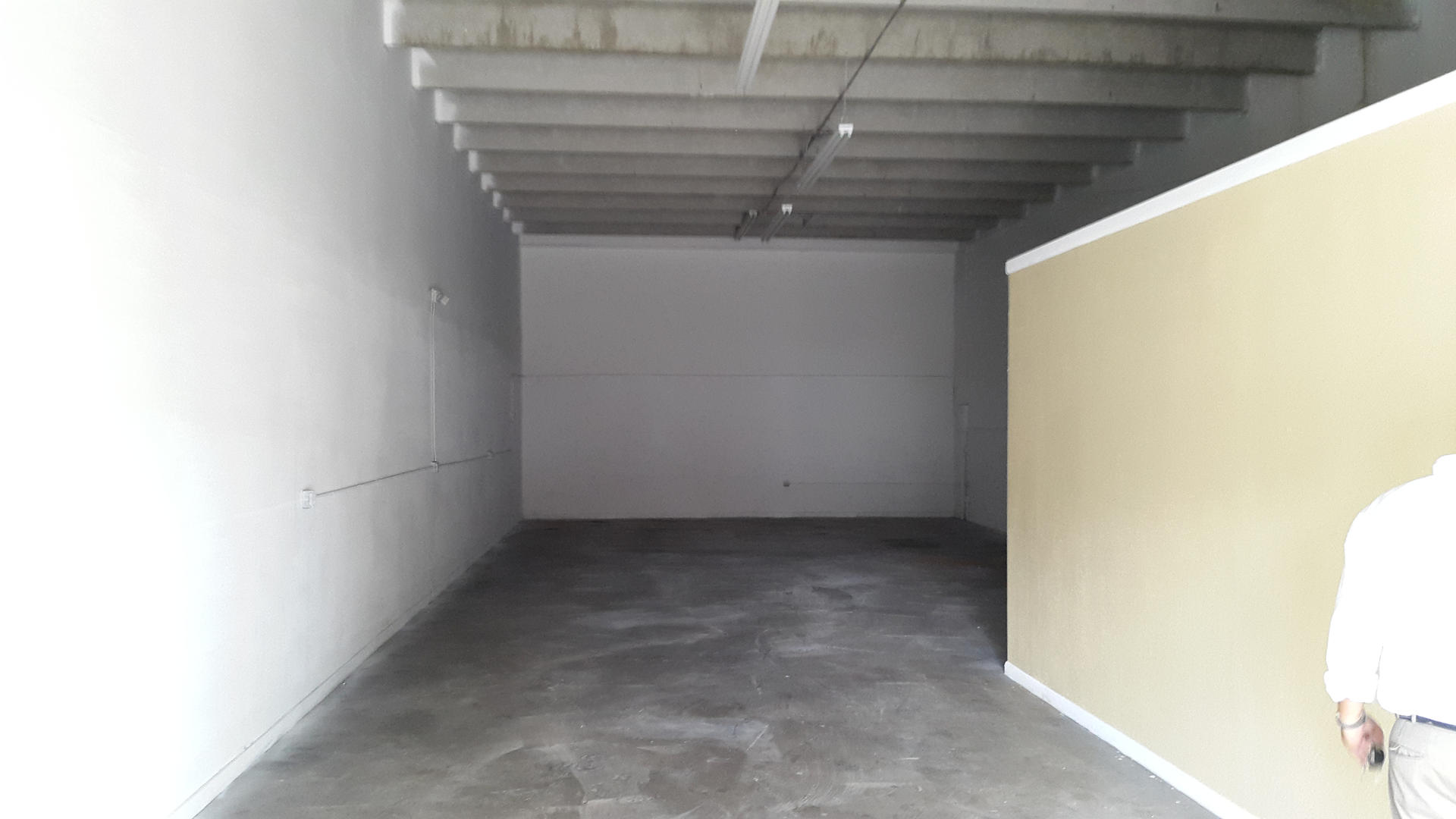 Warehouse for Rent in Miami image 9