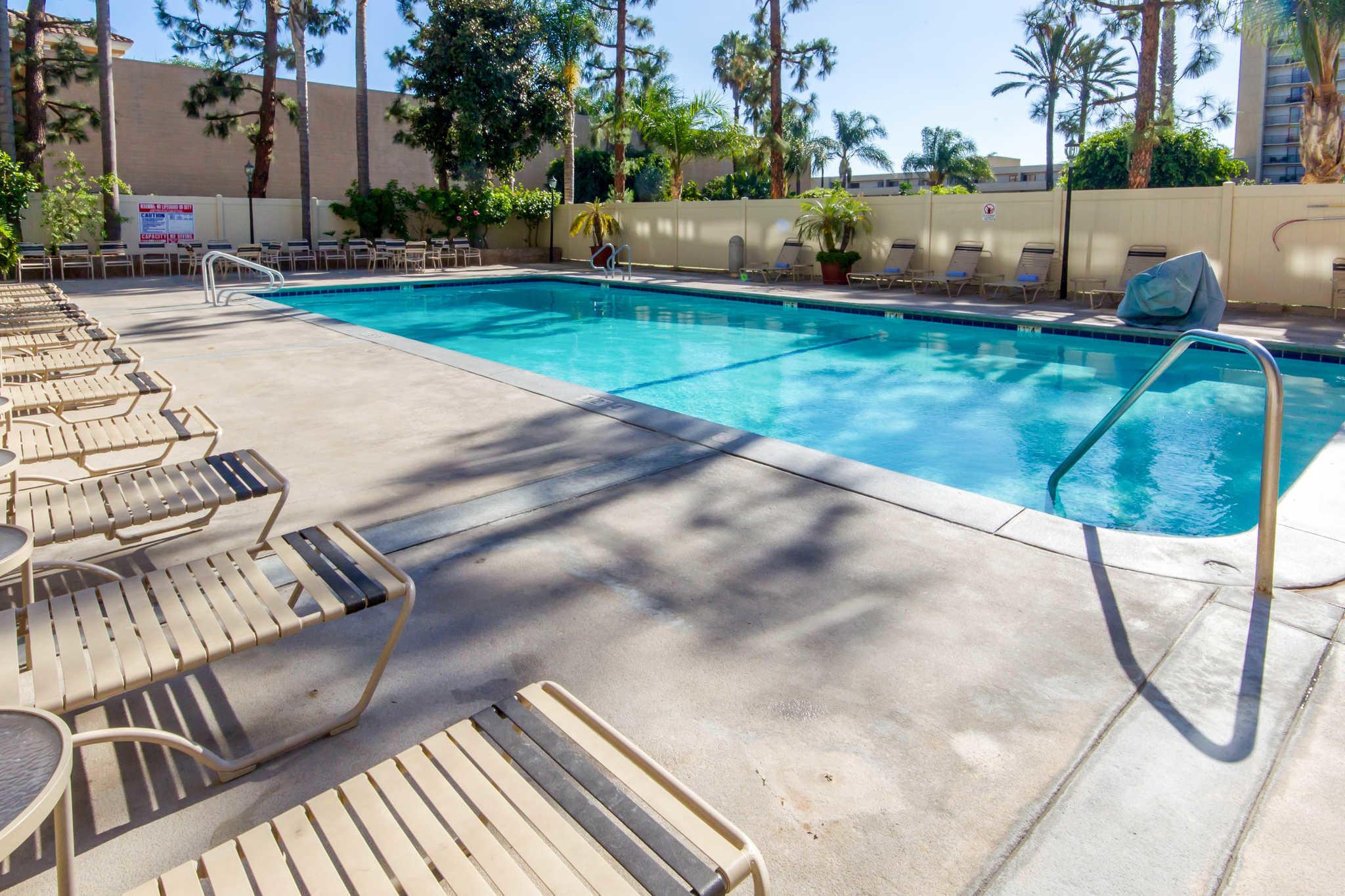 Clarion Hotel Anaheim Resort image 16