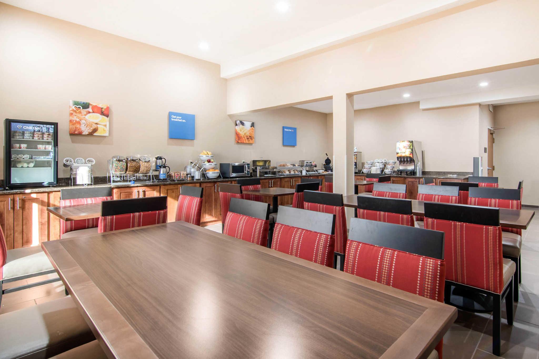 Comfort Inn & Suites Junction City - near Fort Riley image 27