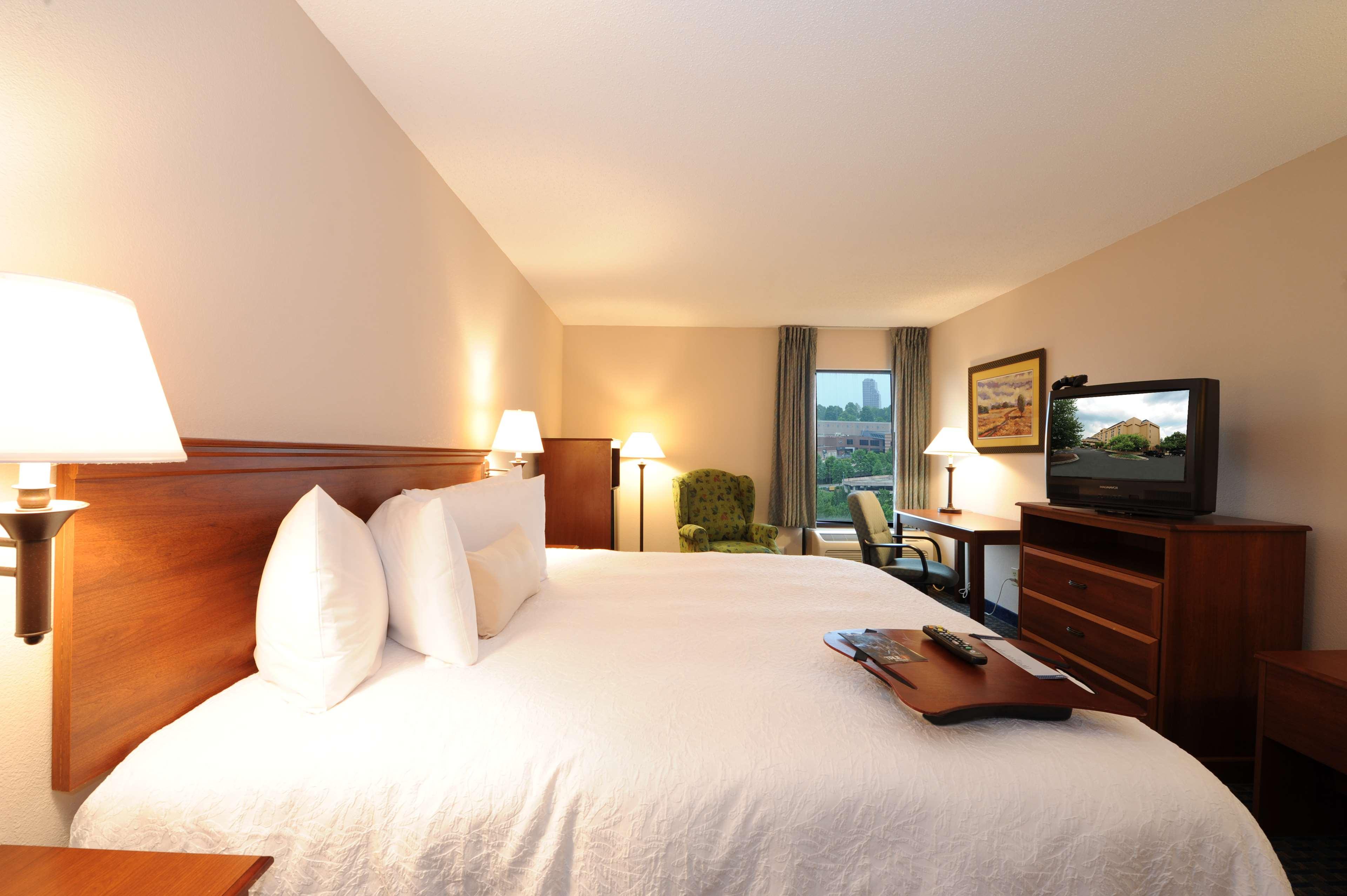 Hampton Inn Atlanta-Southlake image 13