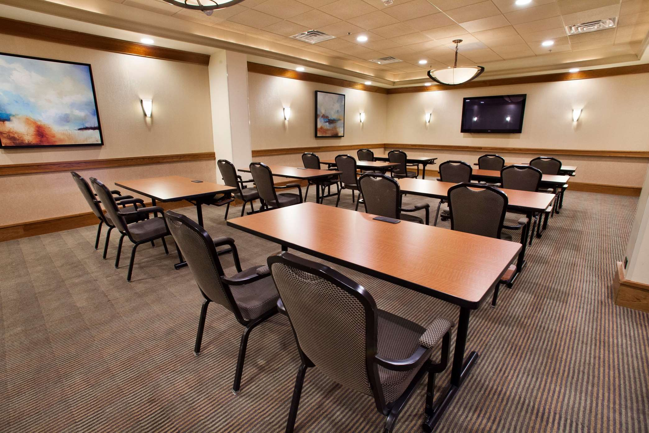 Hilton Chicago/Oak Brook Suites image 6