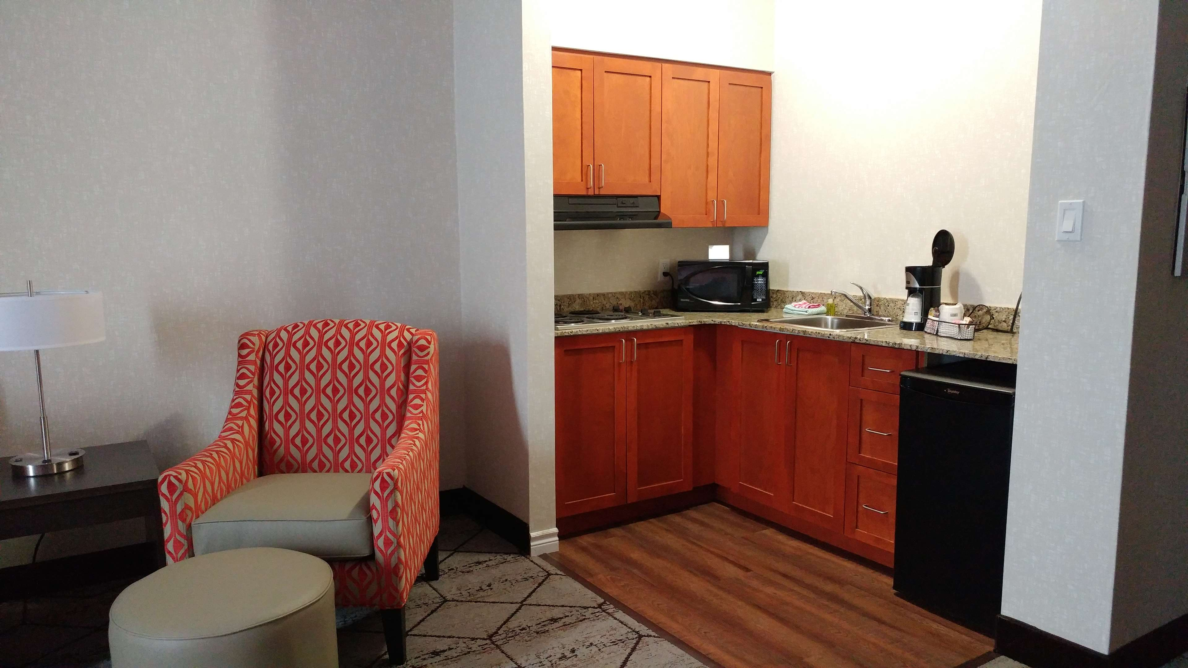 Best Western Plus Rose City Suites in Welland: Kitchenette Suite