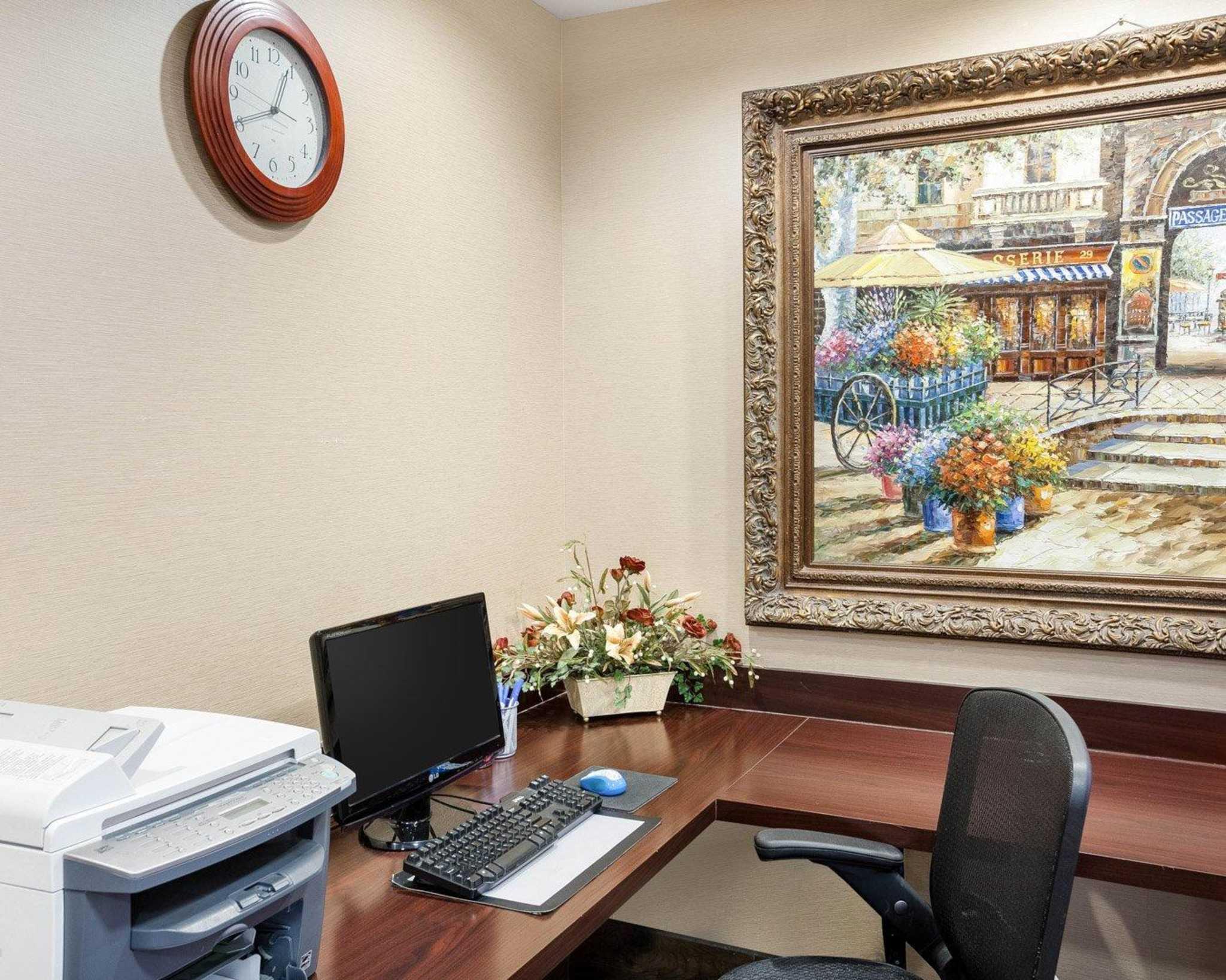 Comfort Inn & Suites Near Medical Center image 32