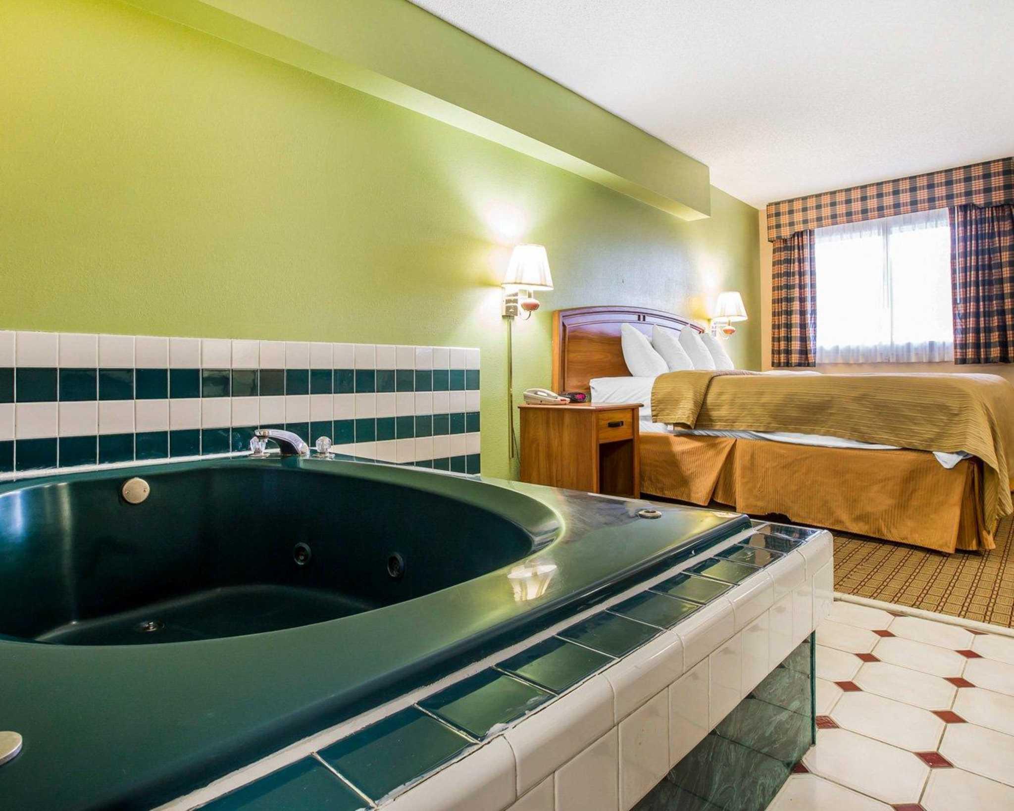 Quality Inn & Suites Dublin image 7