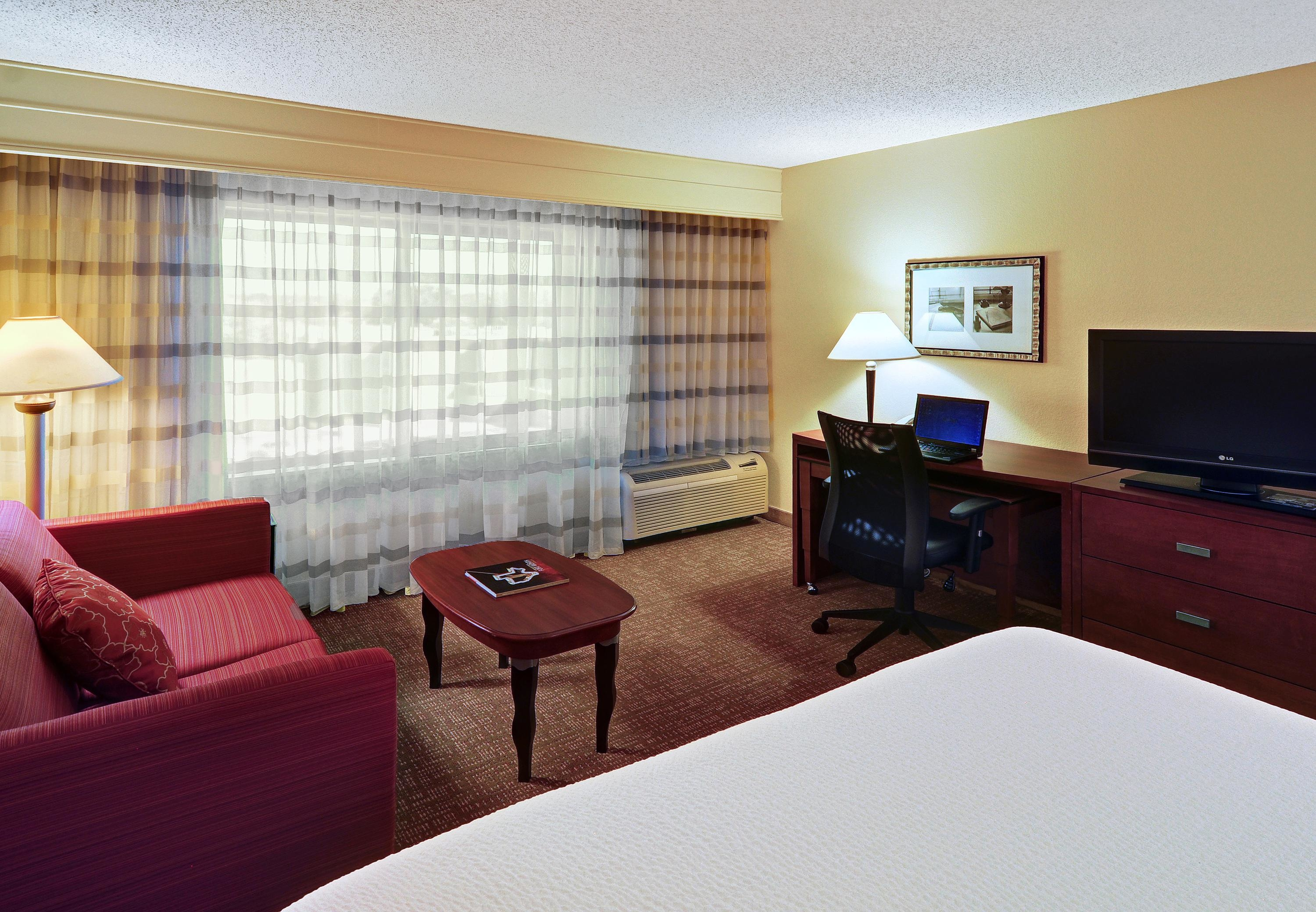Courtyard by Marriott Fort Worth I-30 West Near NAS JRB image 9
