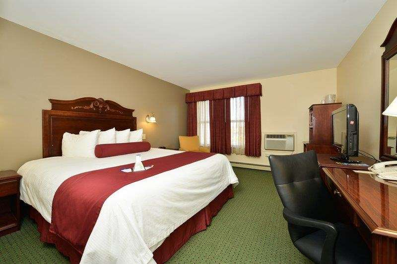 Best Western The Hotel Chequamegon image 40
