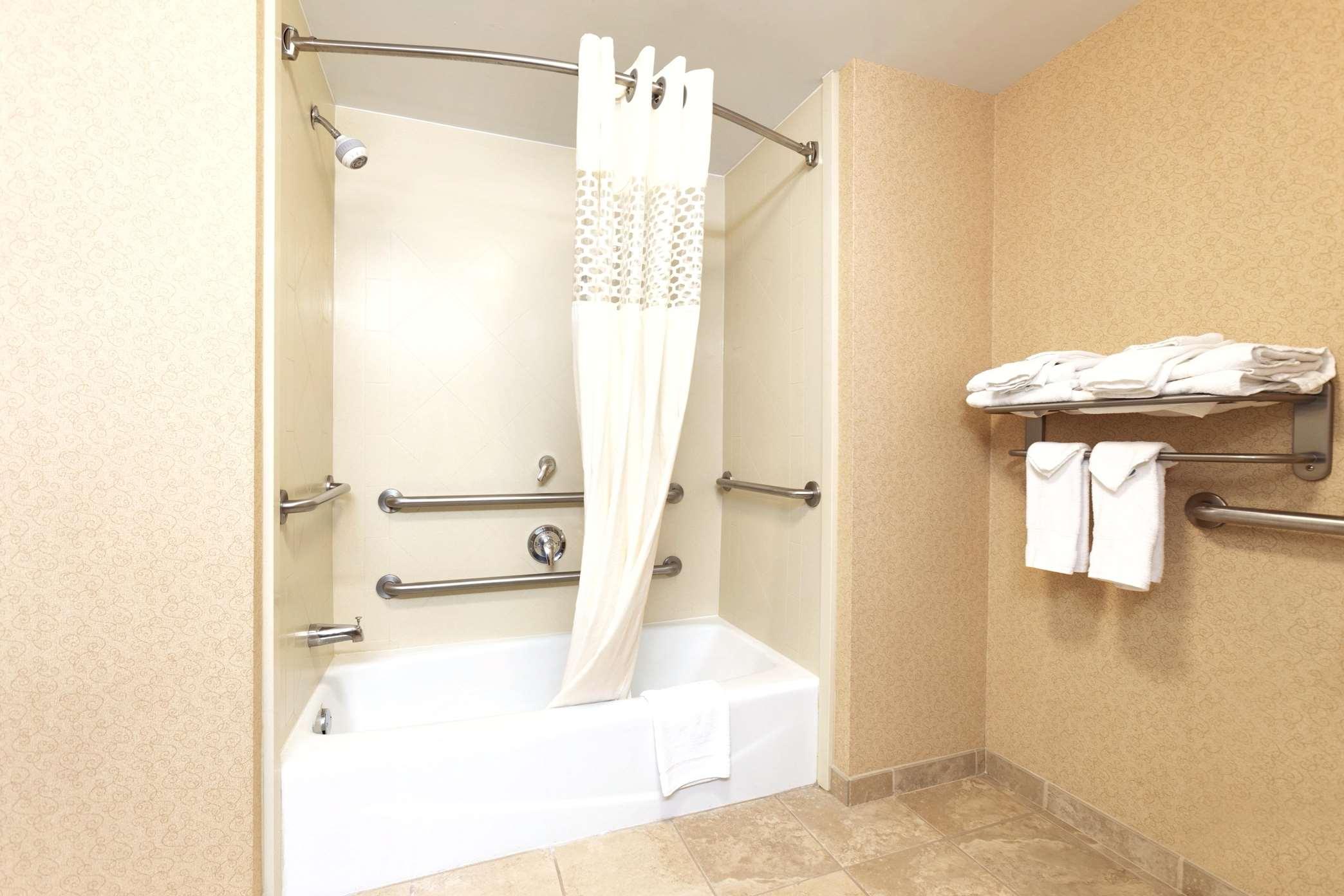 Hampton Inn & Suites Greenfield image 26
