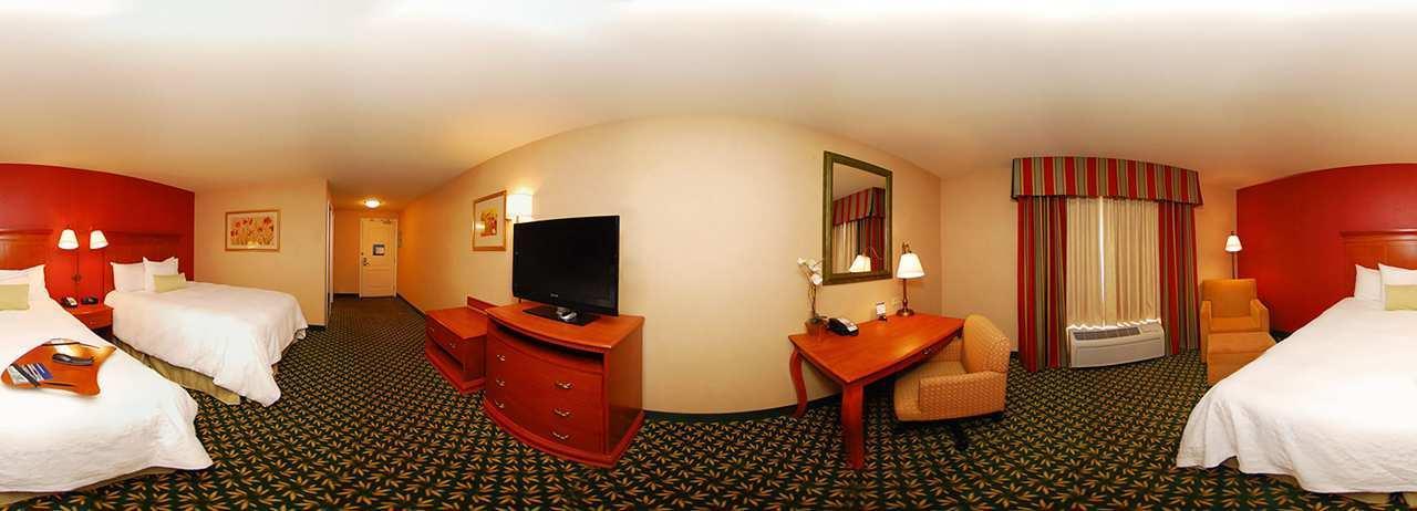 Hampton Inn & Suites Casper image 4