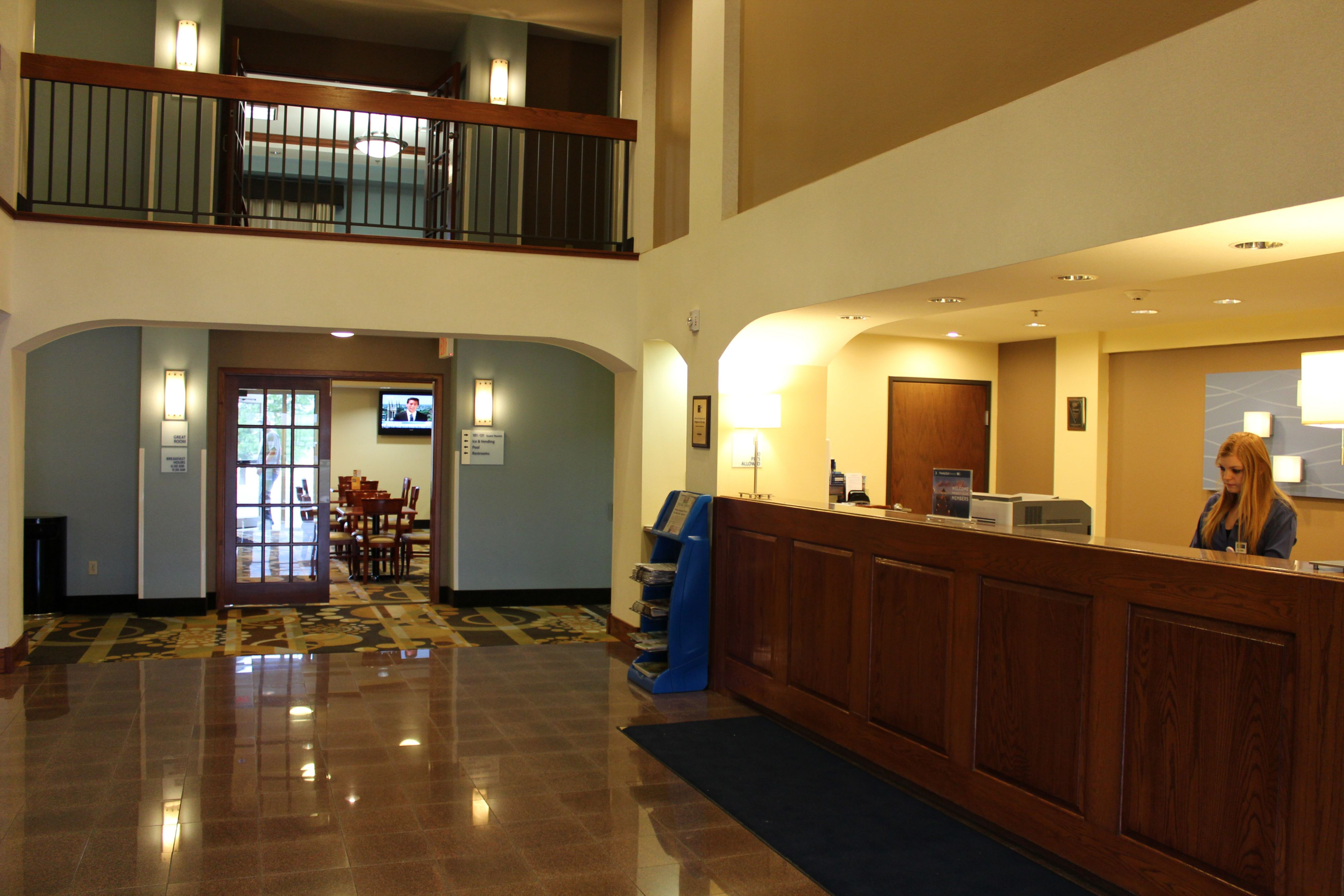 Holiday Inn Express & Suites Weatherford image 4