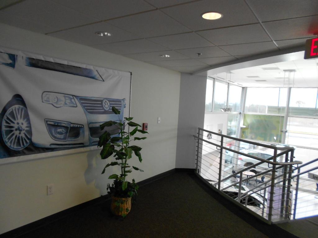 Metro Volkswagen image 2