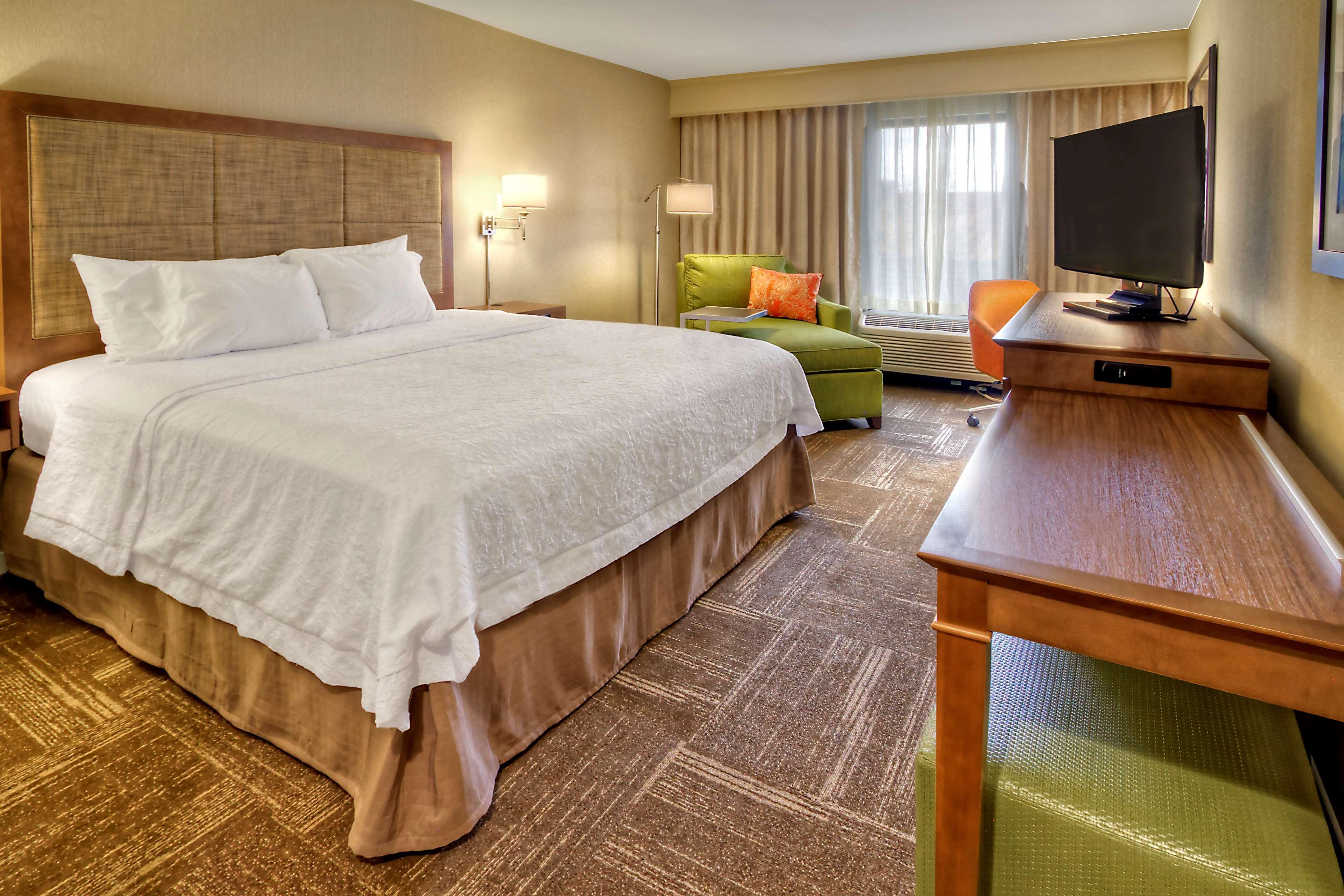 Hampton Inn & Suites Asheville-I-26 image 11