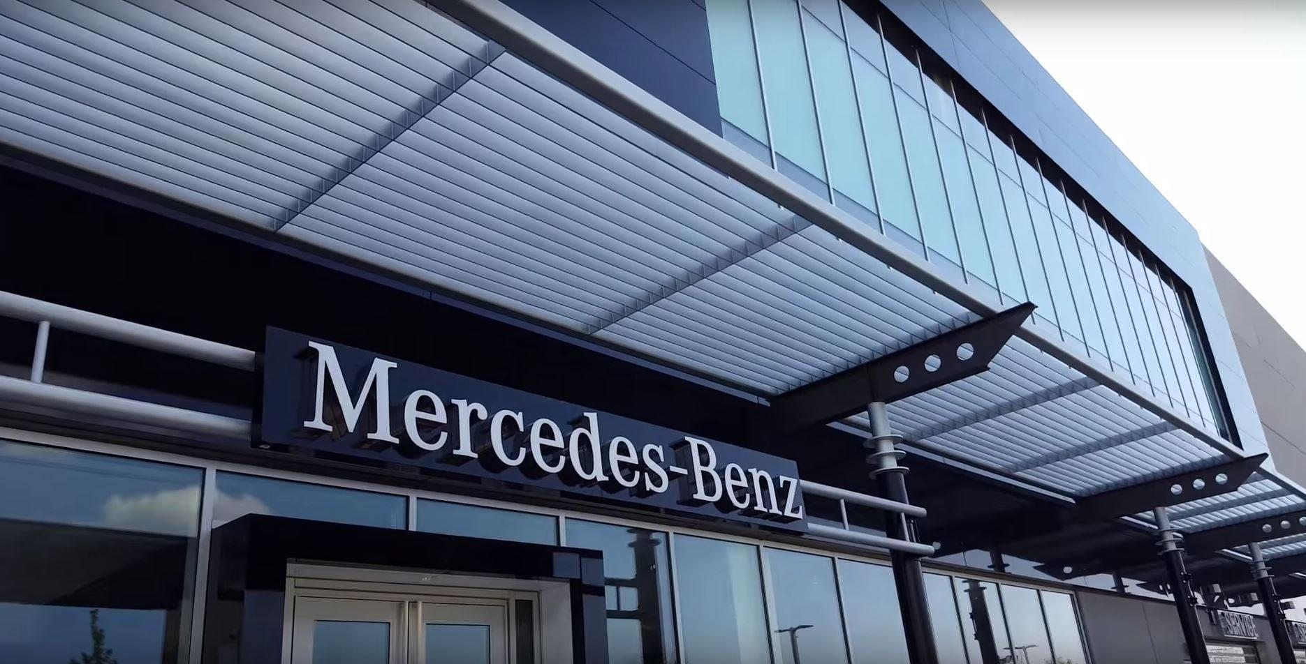 Mercedes benz of chicago at 1520 w north ave chicago il for Mercedes benz north ave chicago