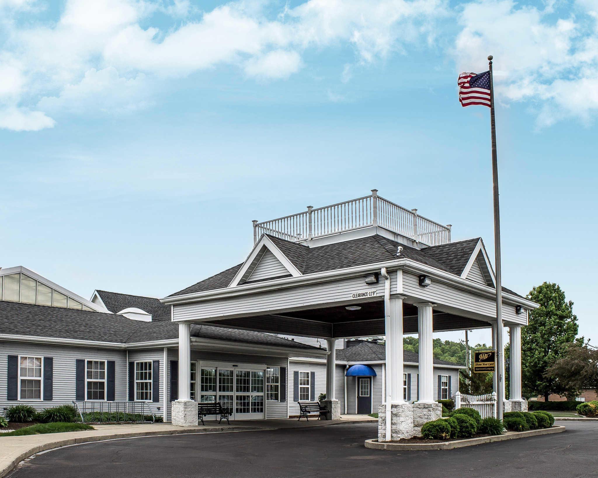 Comfort Inn Splash Harbor image 0