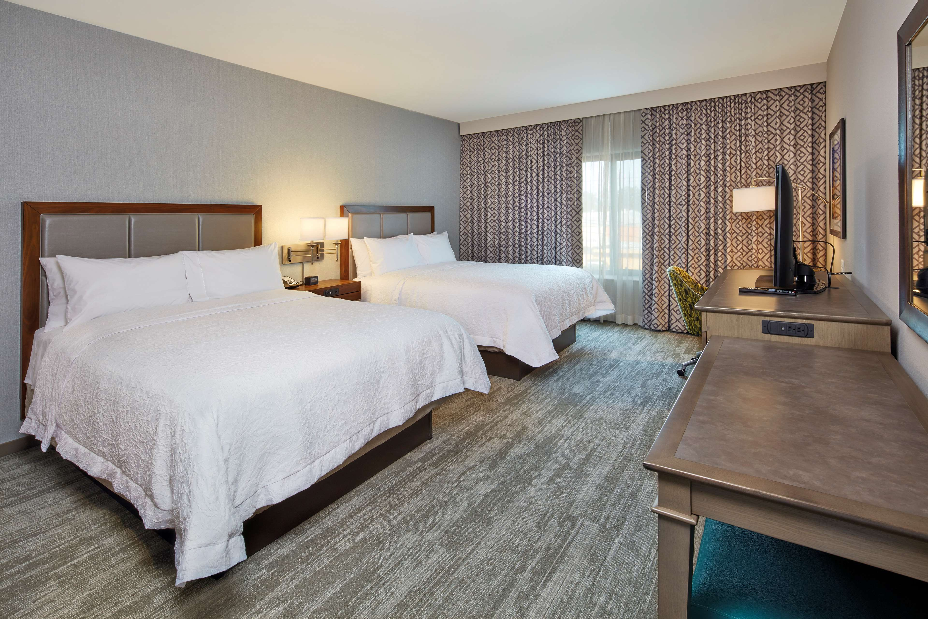 Hampton Inn & Suites Sacramento at CSUS image 21