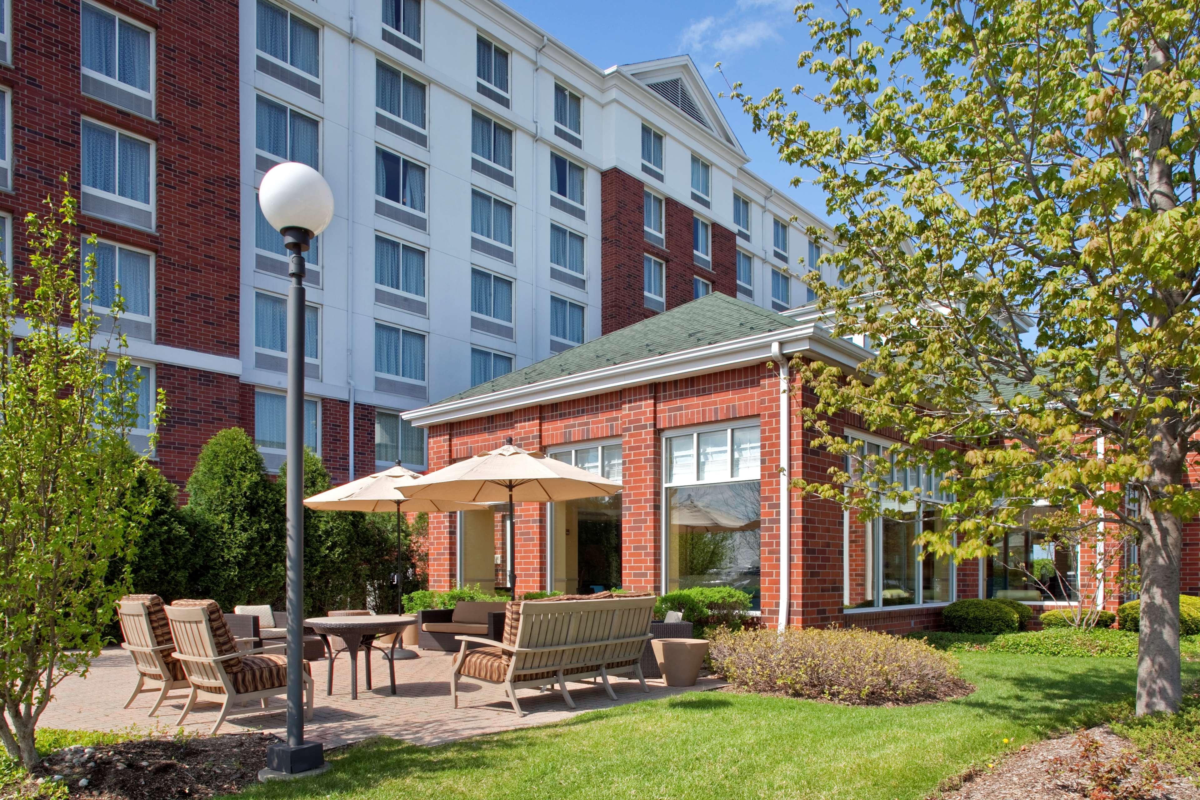 Hilton Garden Inn Hoffman Estates image 3