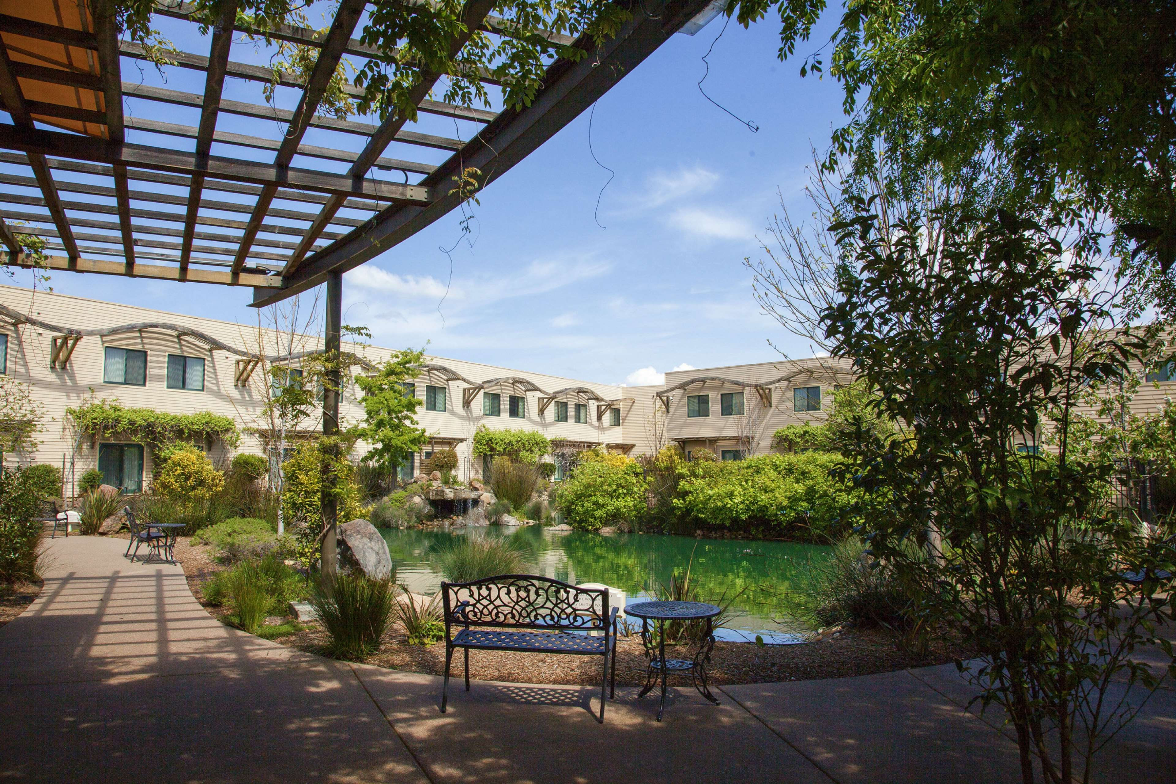 DoubleTree by Hilton Hotel & Spa Napa Valley - American Canyon image 1