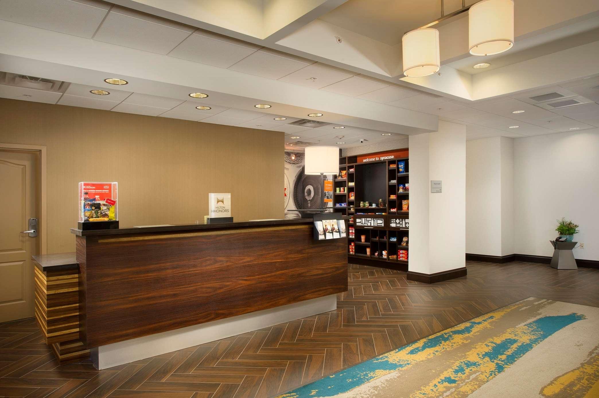 Hampton Inn & Suites Syracuse/Carrier Circle image 21