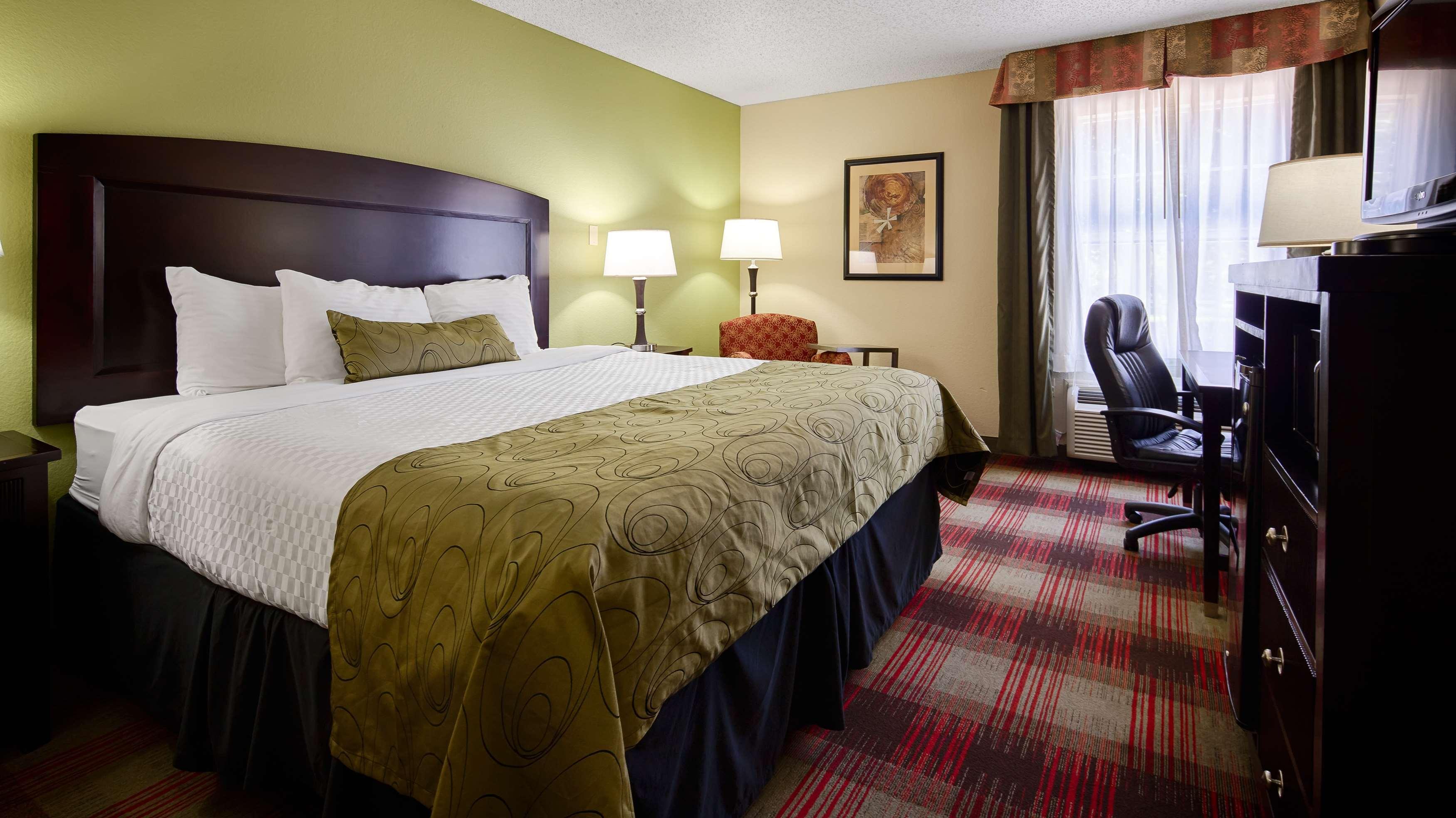 Best Western Plus Addison/Dallas Hotel image 9