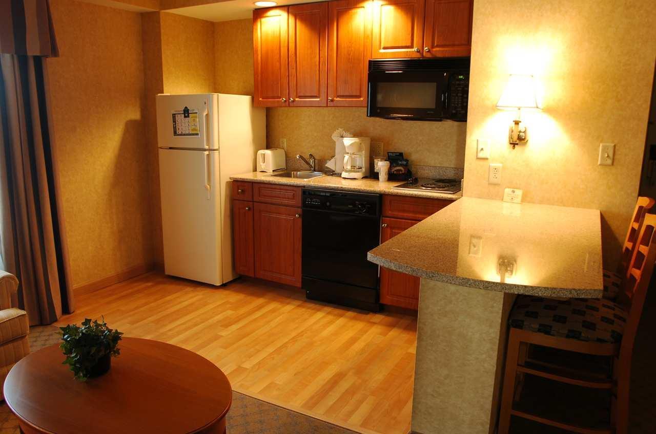 Homewood Suites by Hilton Philadelphia-City Avenue image 9