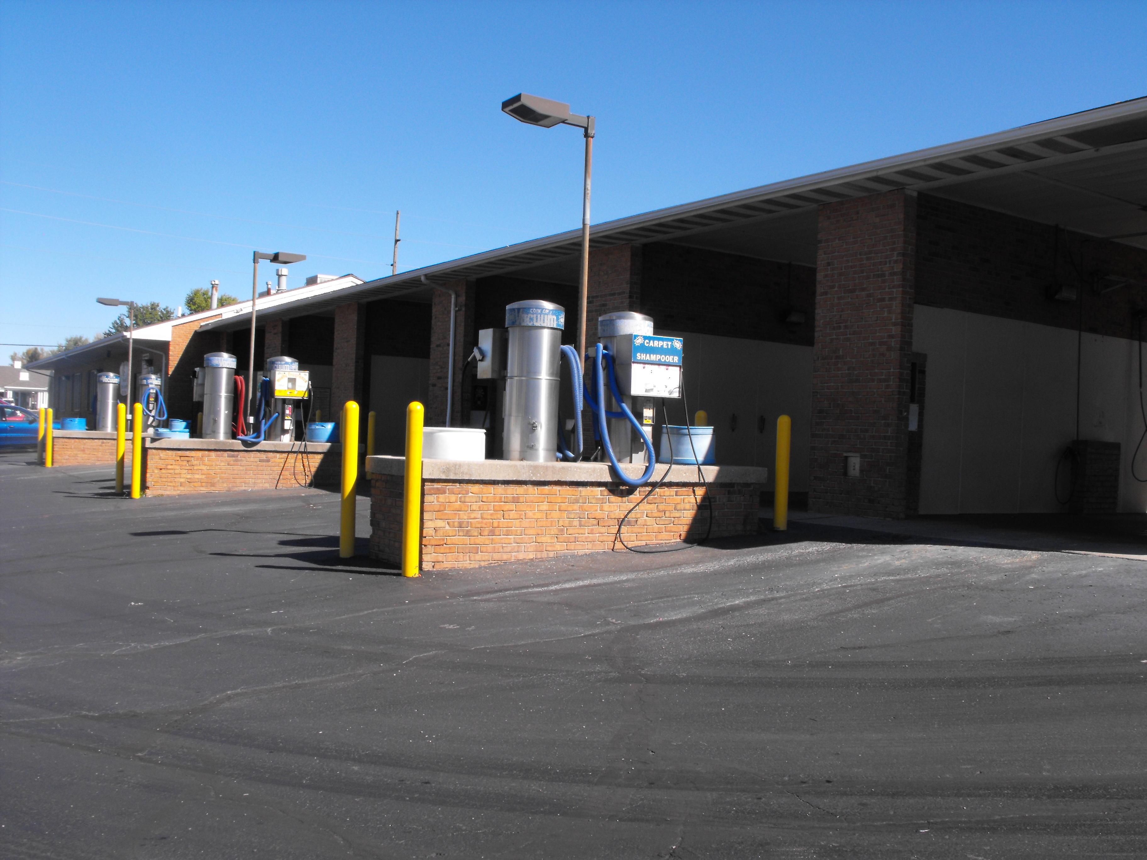 Vandalia Coin Laundry and Car Wash image 2