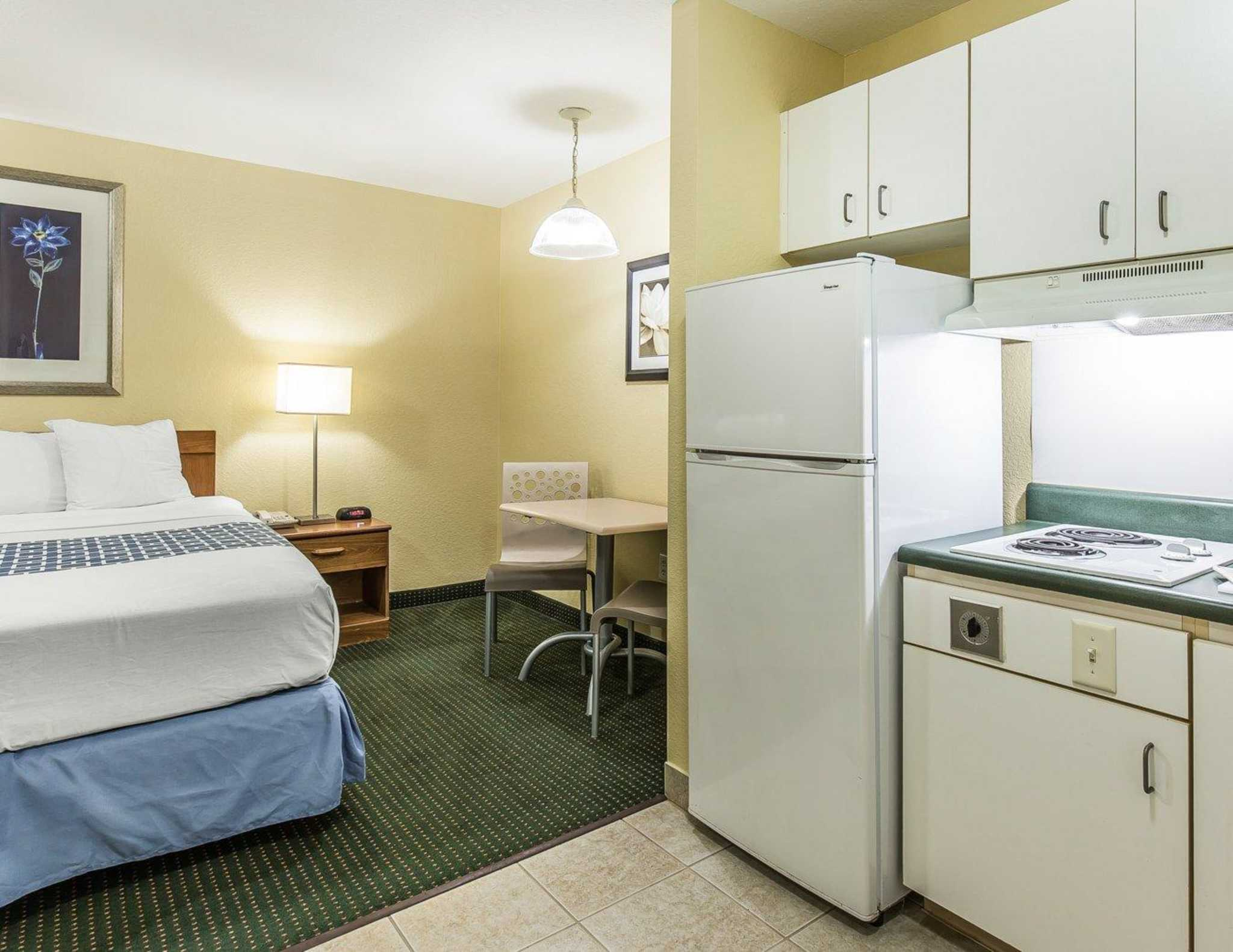 Suburban Extended Stay Hotel image 21