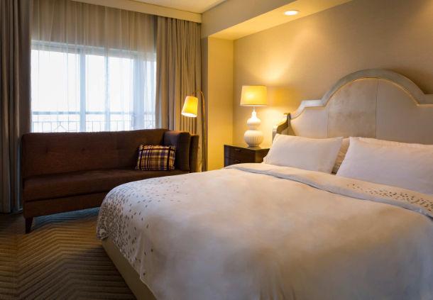 Renaissance Charlotte Suites Hotel image 2