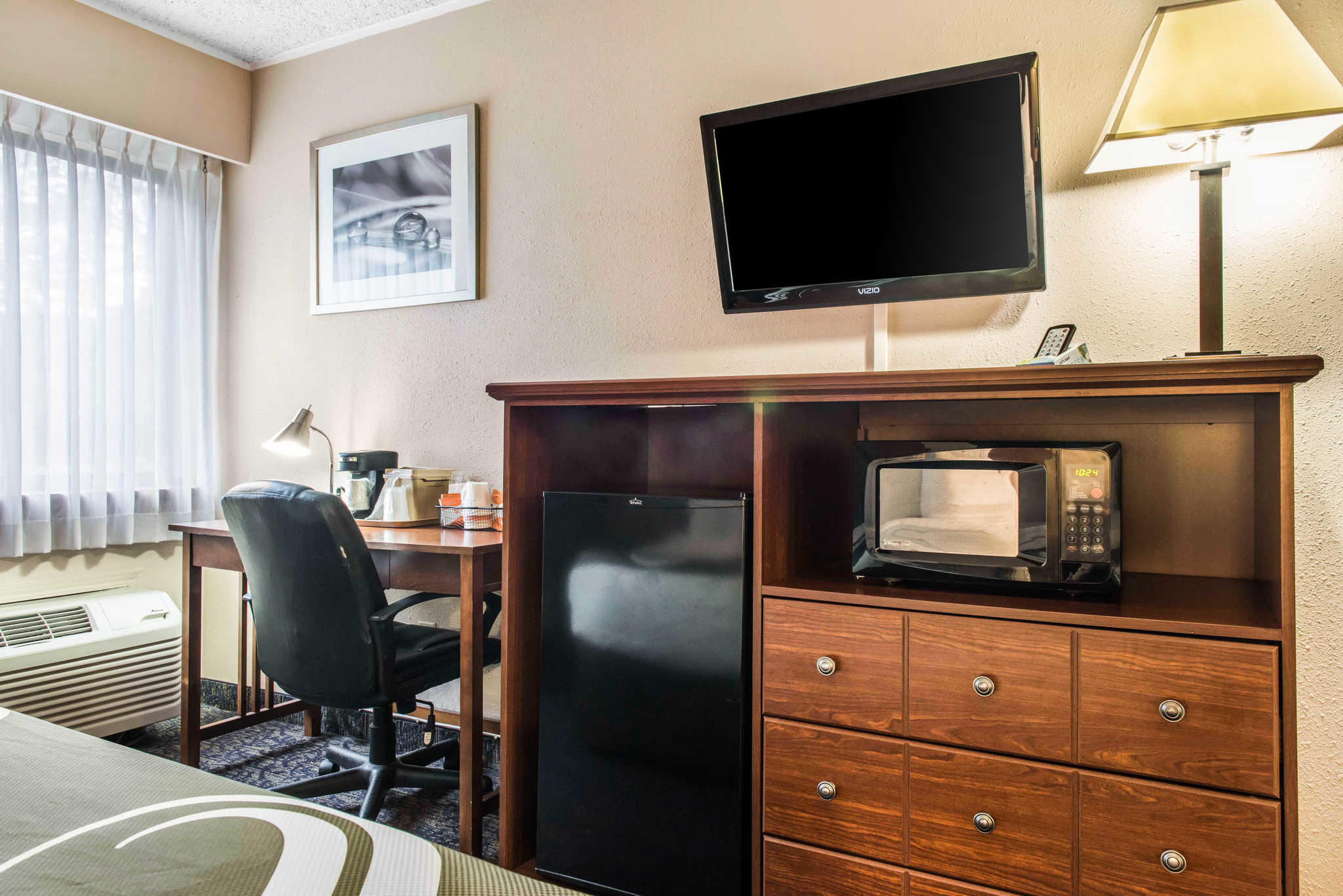 Quality Inn Austintown-Youngstown West image 12