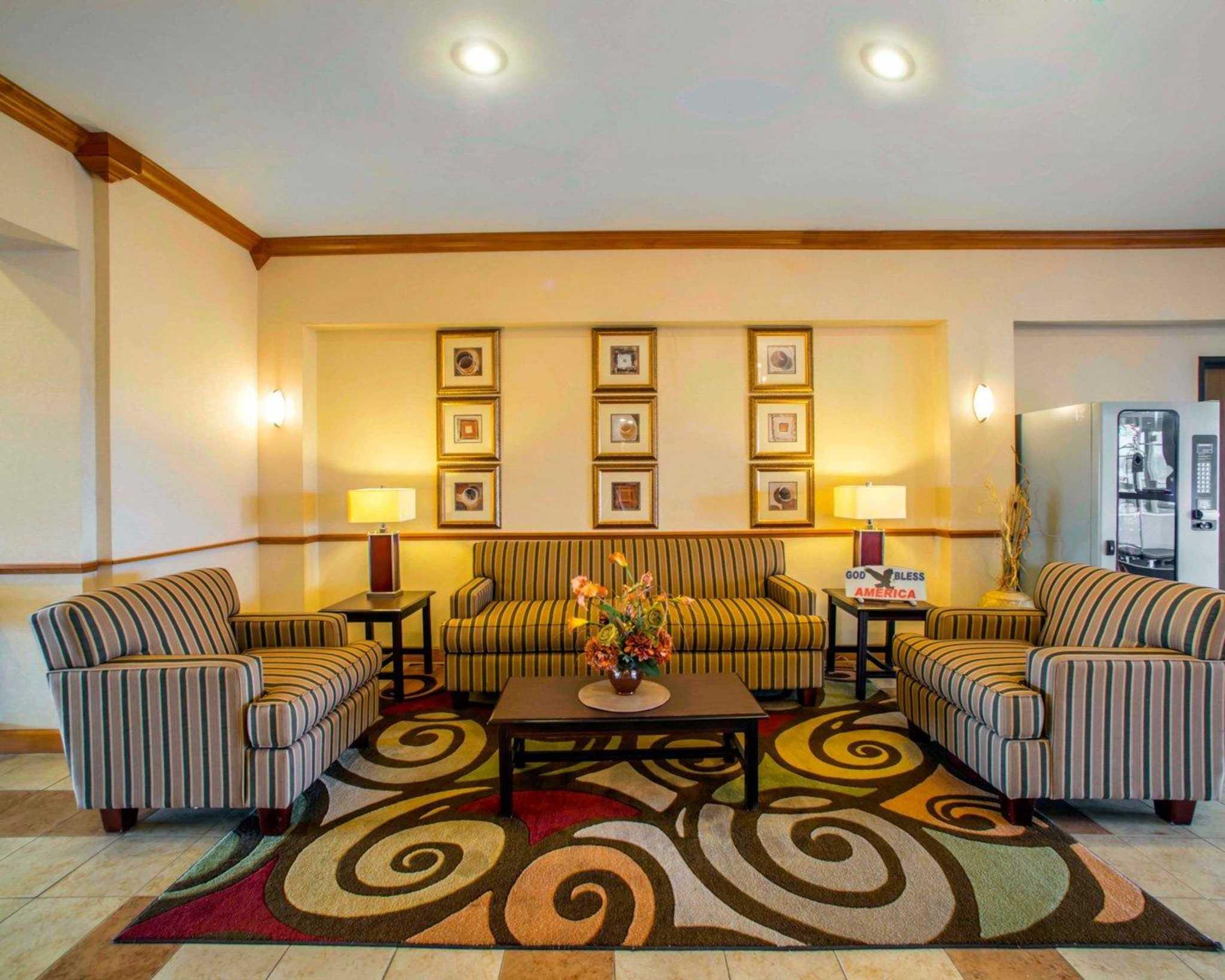 Comfort Inn & Suites Greenville I-70 image 15