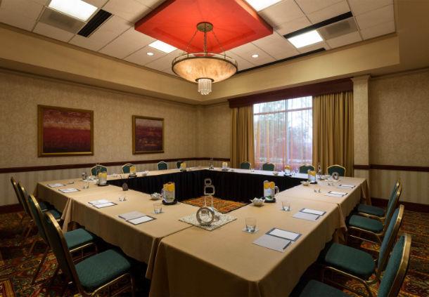 Renaissance Charlotte Suites Hotel image 13