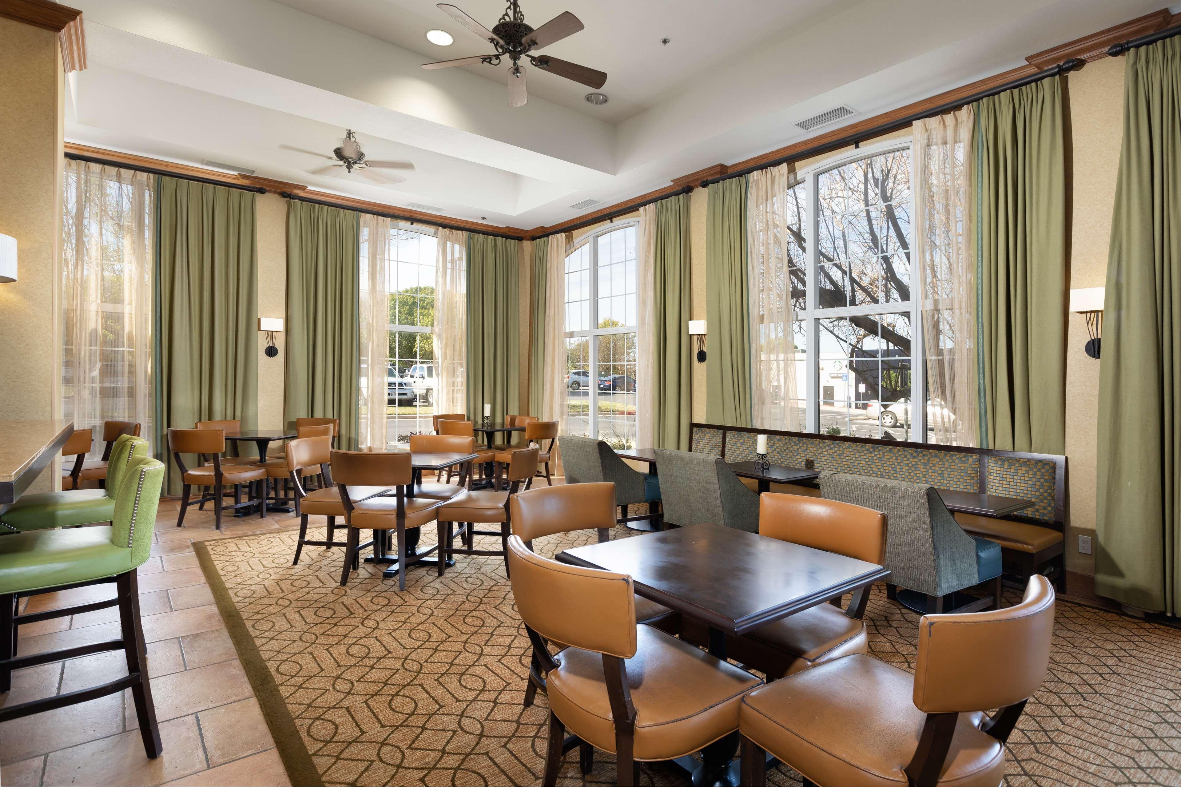 Hampton Inn & Suites Austin-Airport image 13