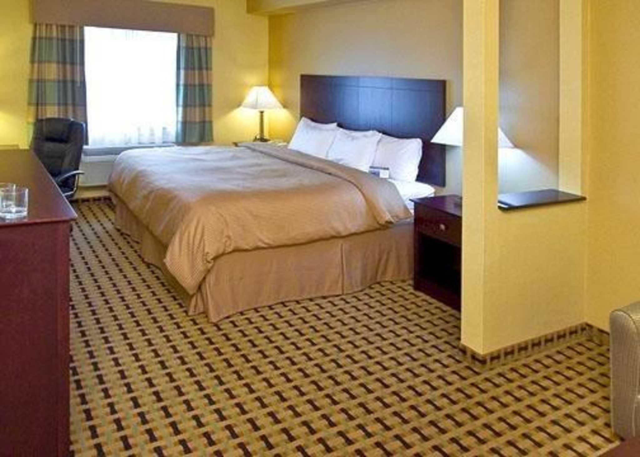 Clarion Inn & Suites Atlantic City North image 2