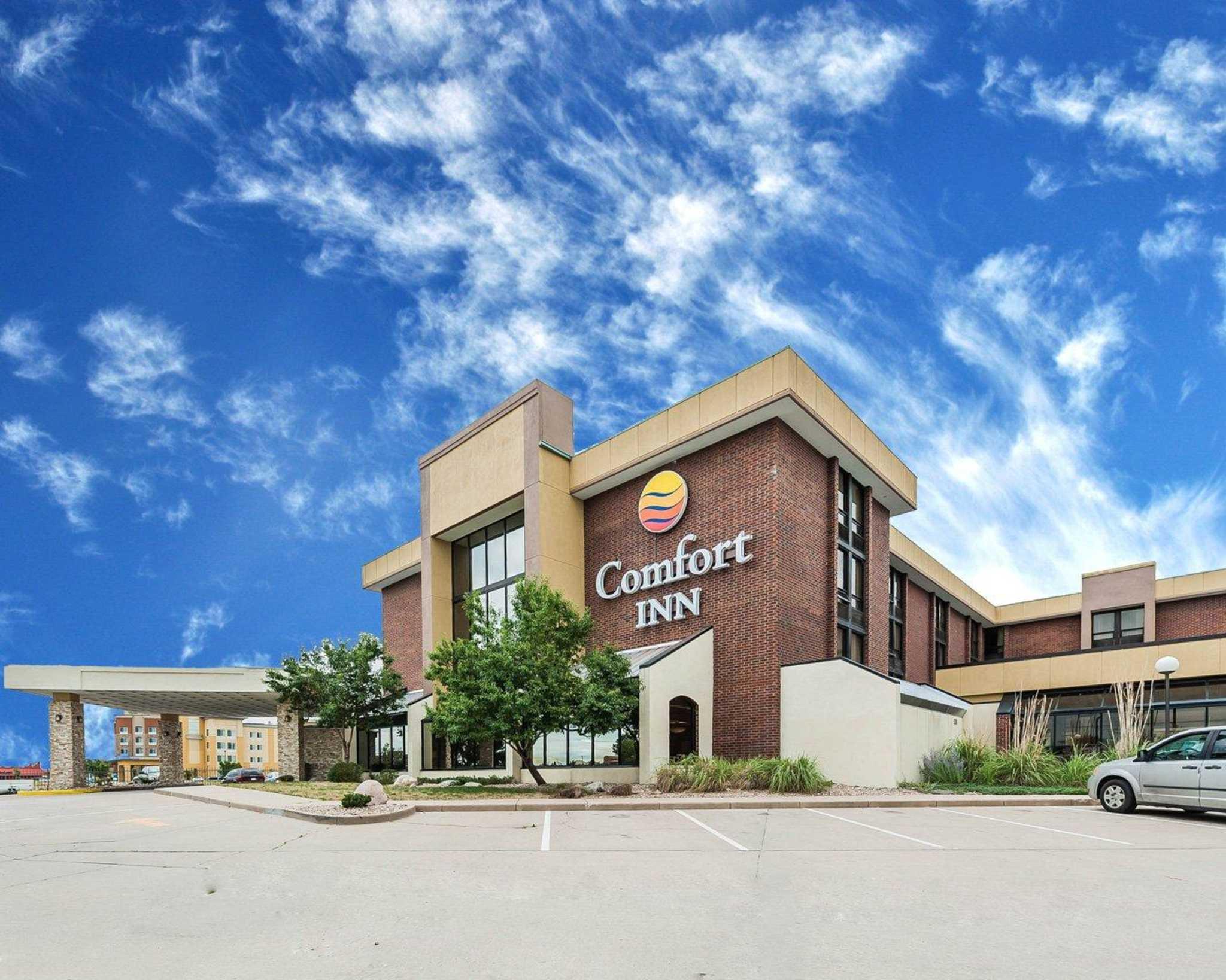 Comfort Inn Denver East image 1