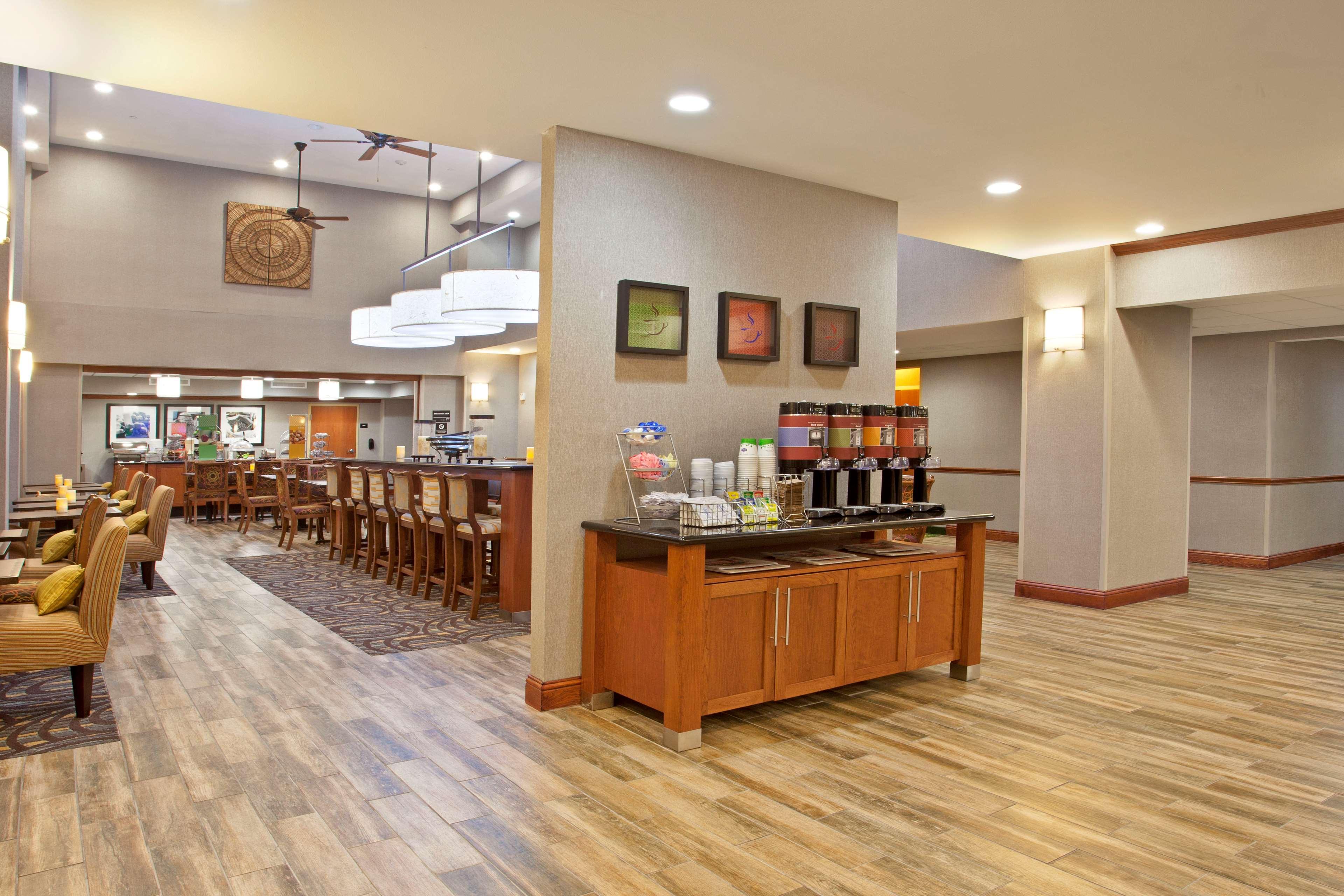 Hampton Inn & Suites Fort Worth-West-I-30 image 5