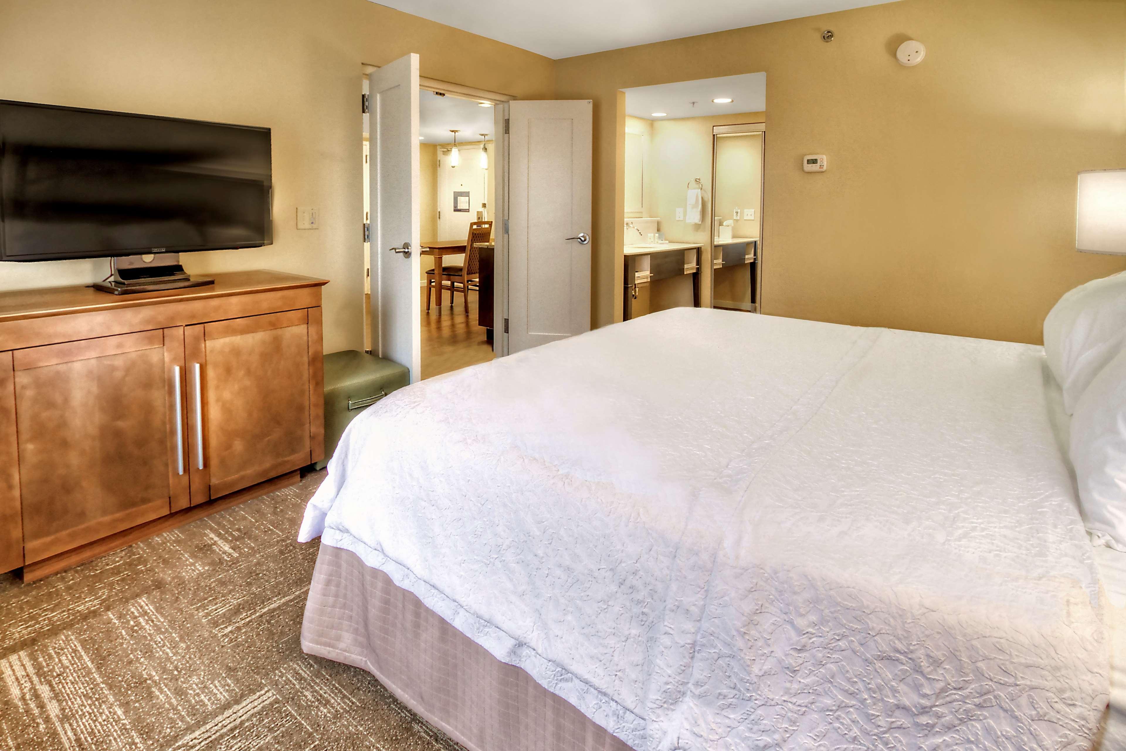 Hampton Inn & Suites Asheville-I-26 image 18