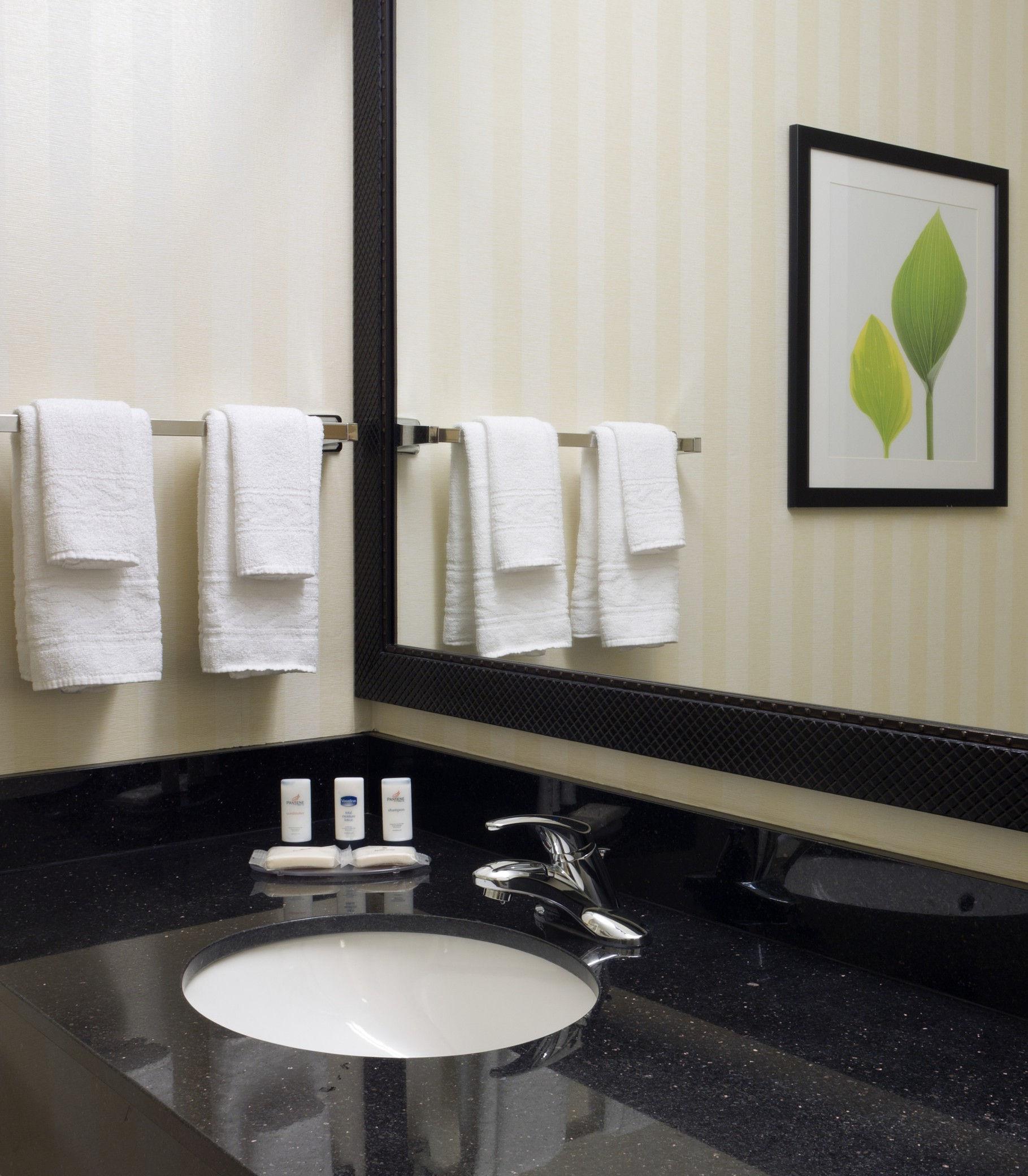 Fairfield Inn & Suites by Marriott Tacoma Puyallup image 2