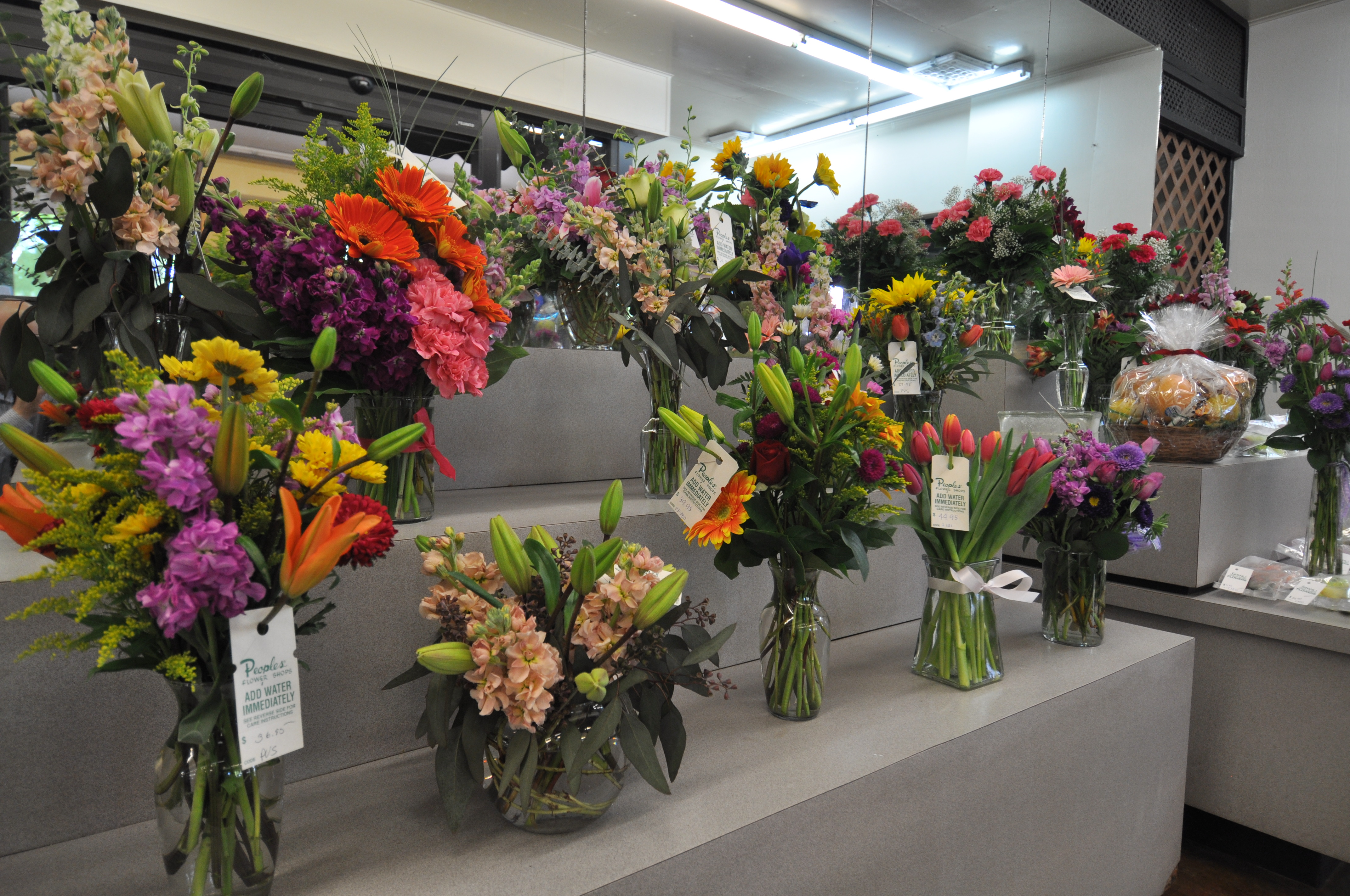 Peoples Flower Shops Main Location Coupons near me in Albuquerque
