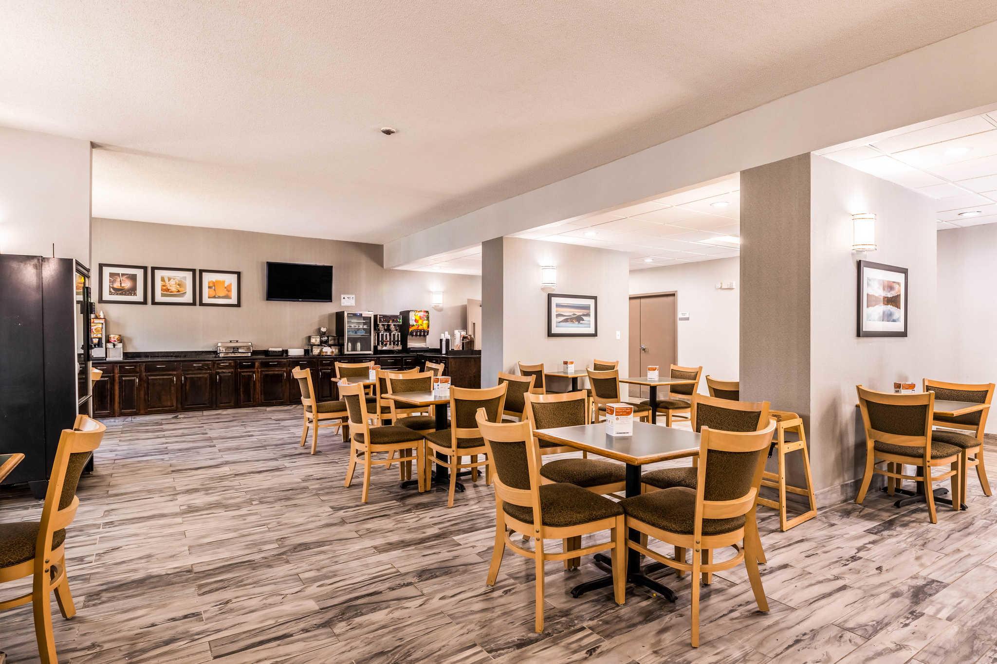 Clarion Inn & Suites image 38