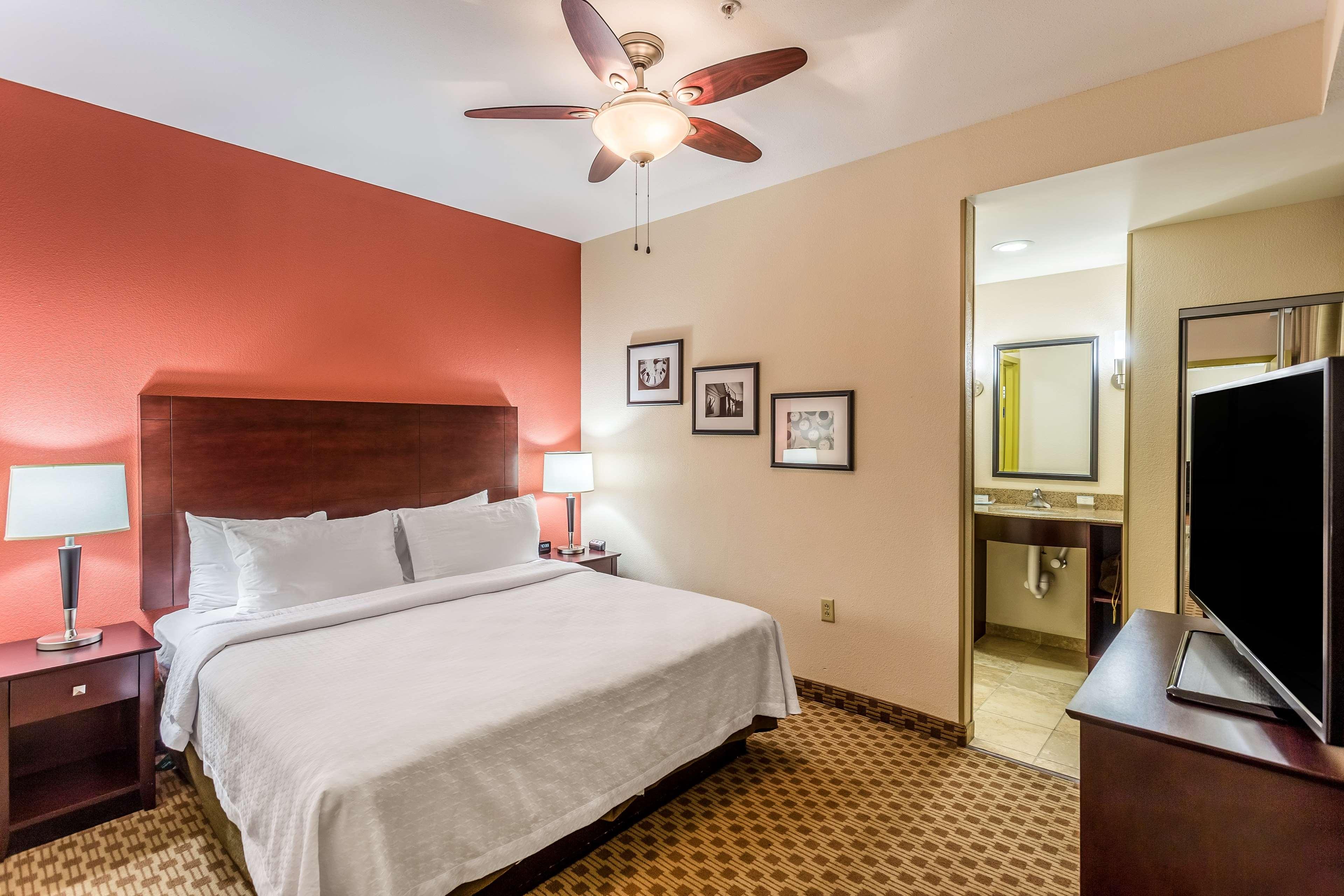 Homewood Suites by Hilton Nashville-Downtown image 16