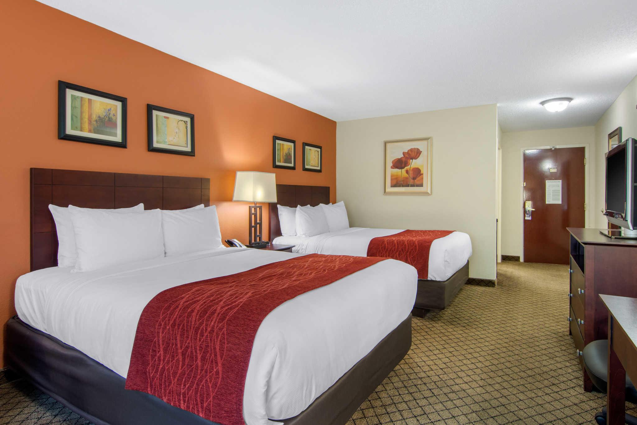 Comfort Inn & Suites image 17