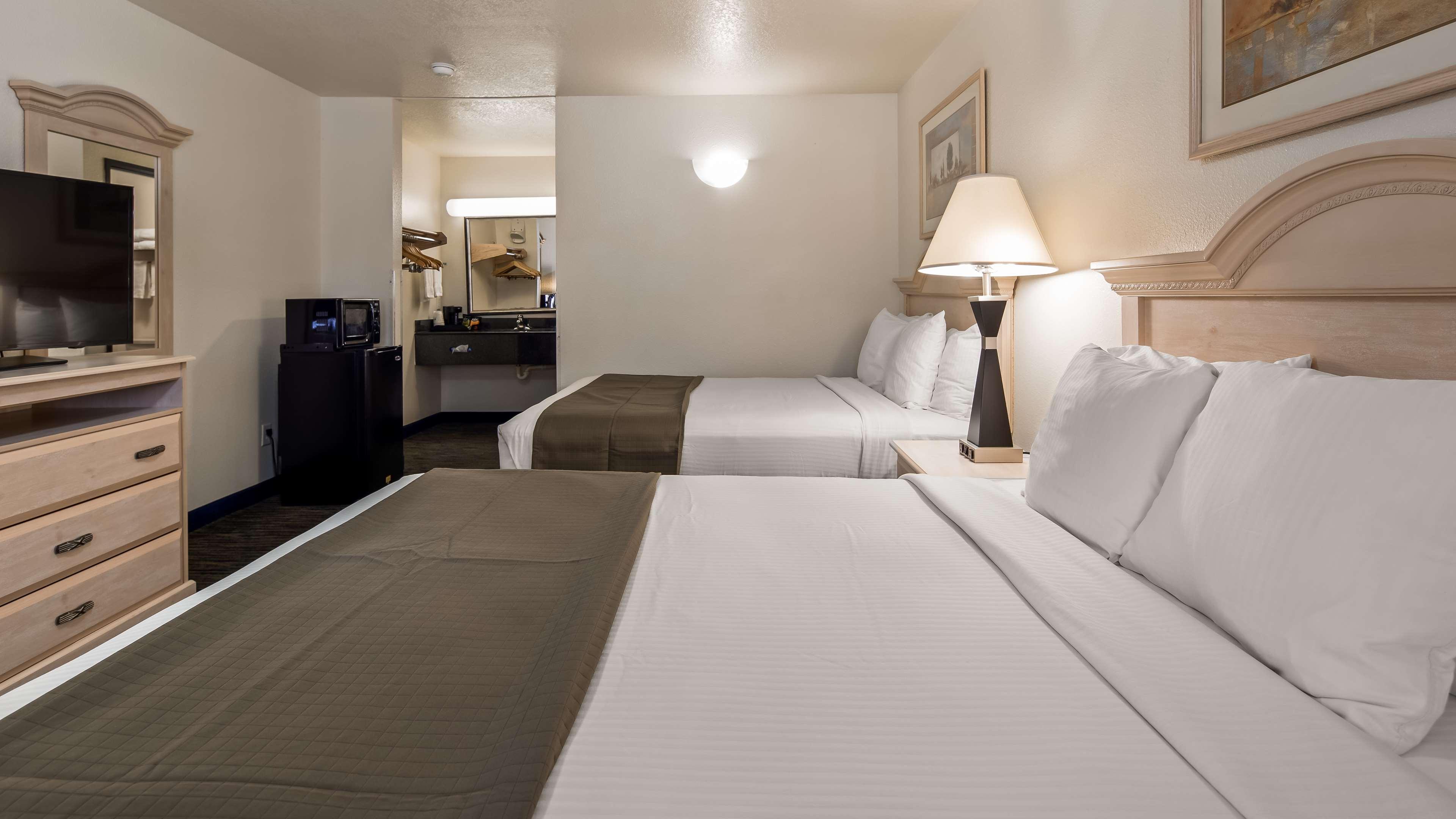 SureStay Hotel by Best Western Falfurrias image 8